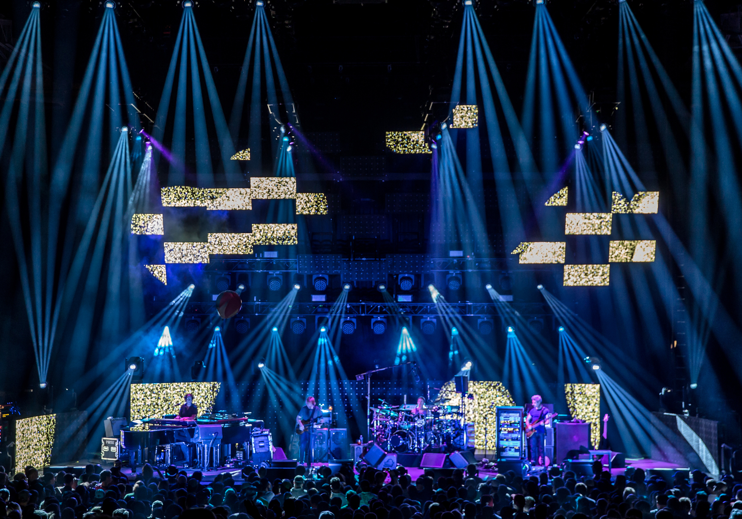 Phish 2016 from gif 041crop.jpg