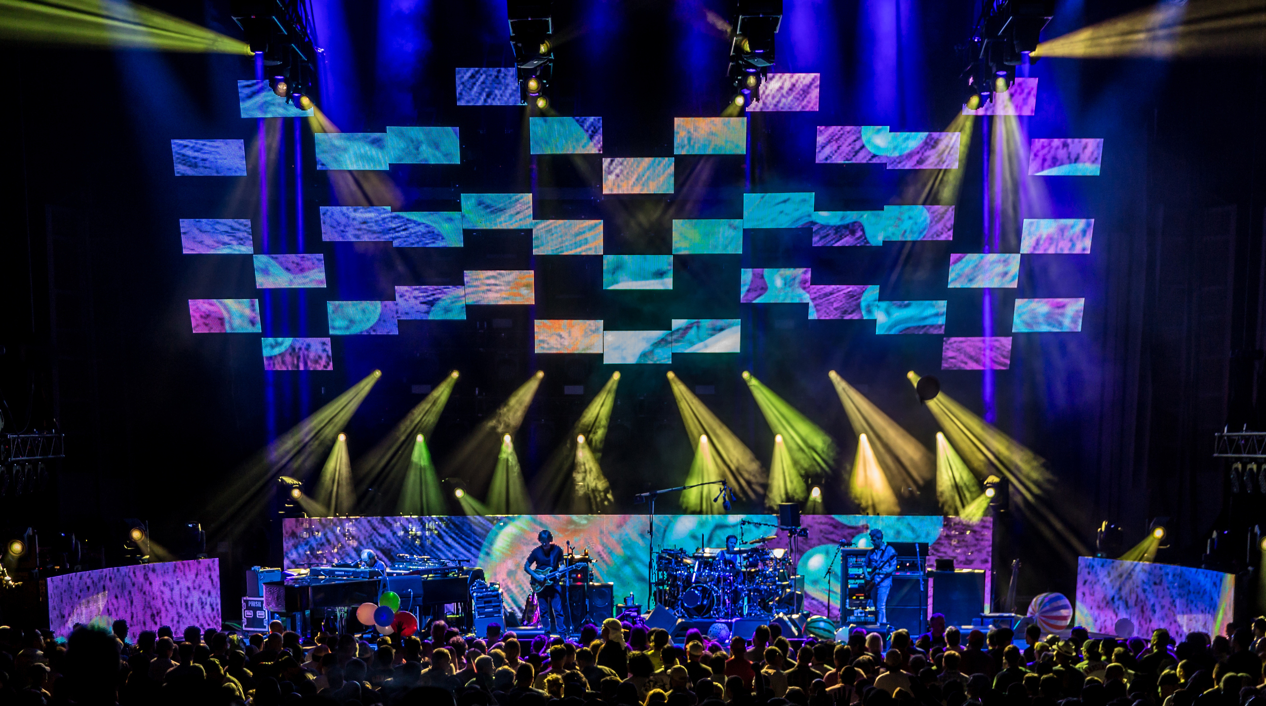 Phish 2016-1253crop.jpg