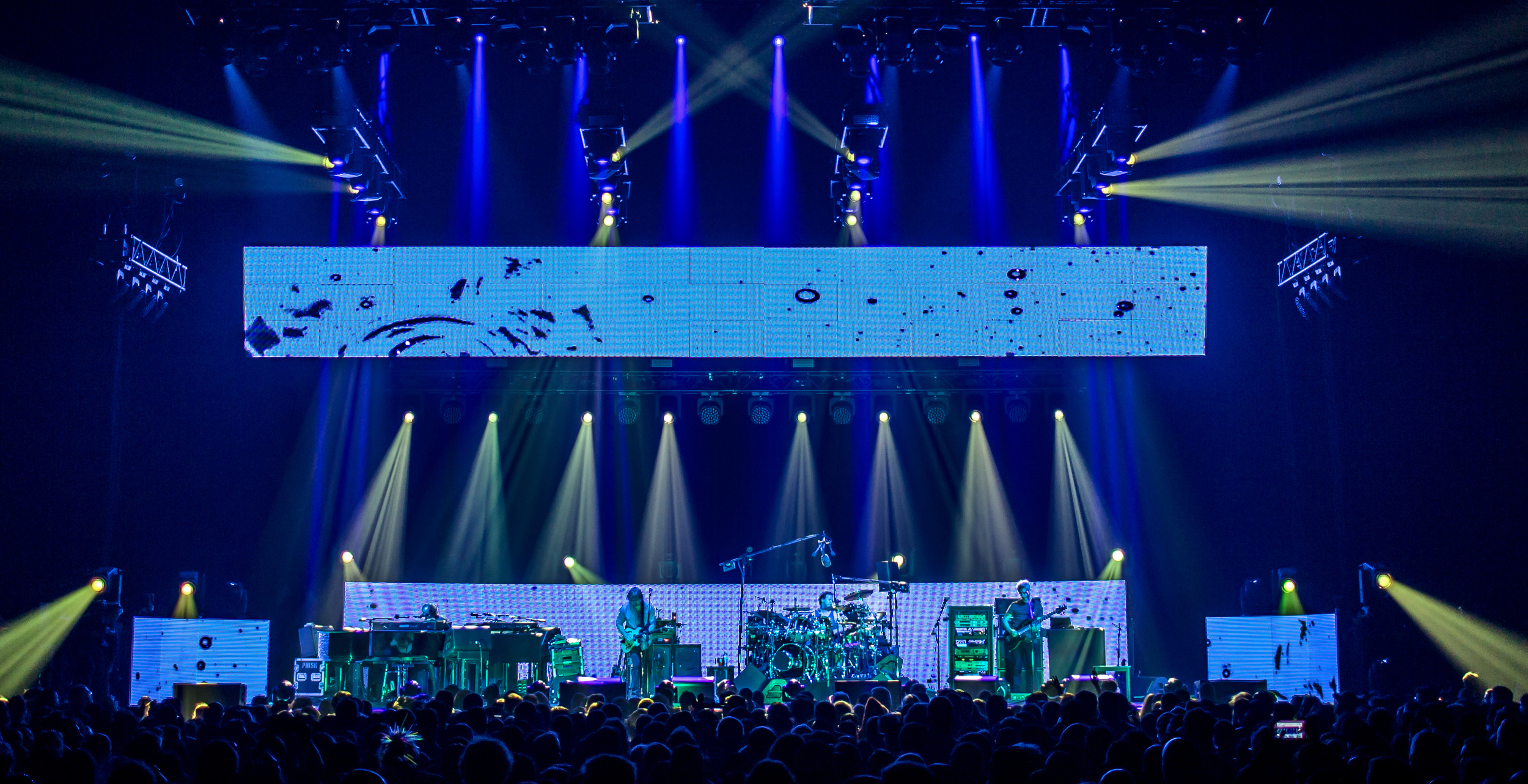 Phish 2016-2375crop.jpg