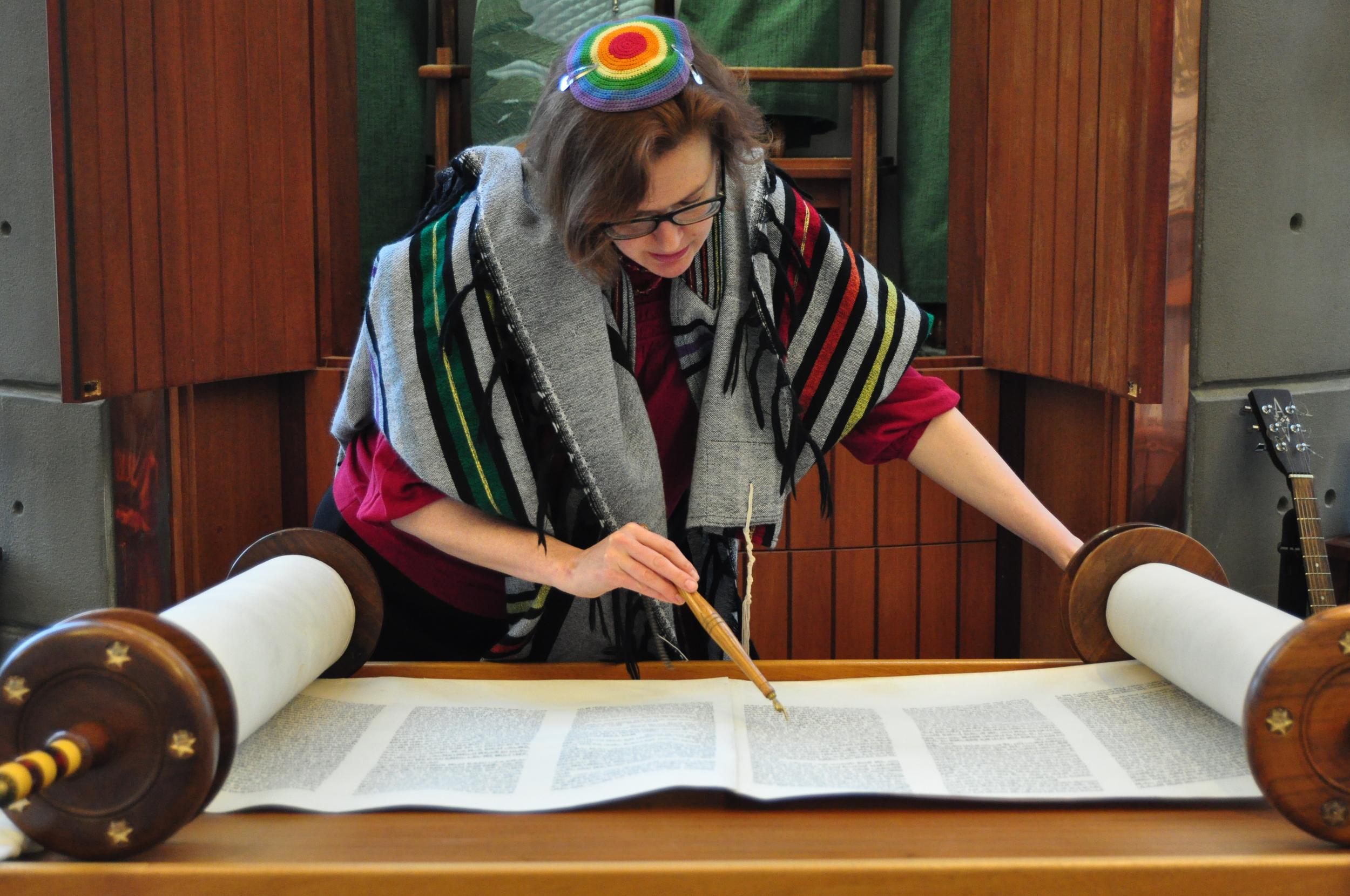 rabbi-rachel-3.jpg