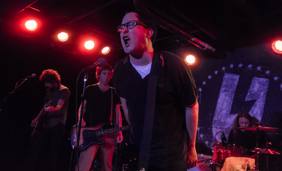 holdsteady_101712-13.jpg