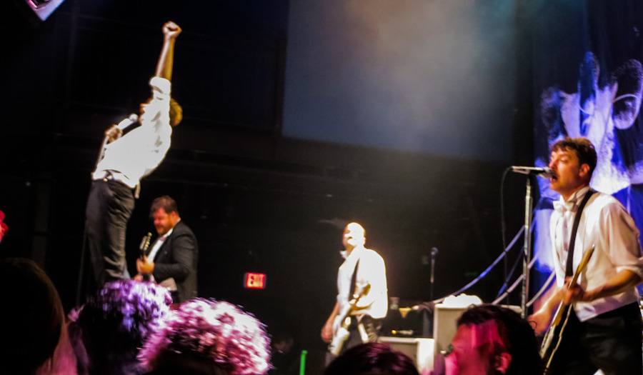 thehives_061912-12.jpg