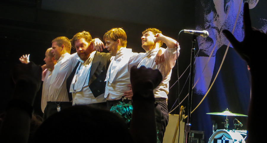 thehives_061912-14.jpg