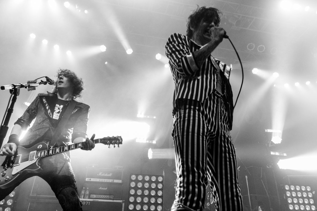 "The Darkness bringing their ""Blast Of Our Kind"" tour to the Fillmore Silver Spring outside of Washington, DC - 10/25/15 (photo by Kevin Hill/@chnkykevin)"