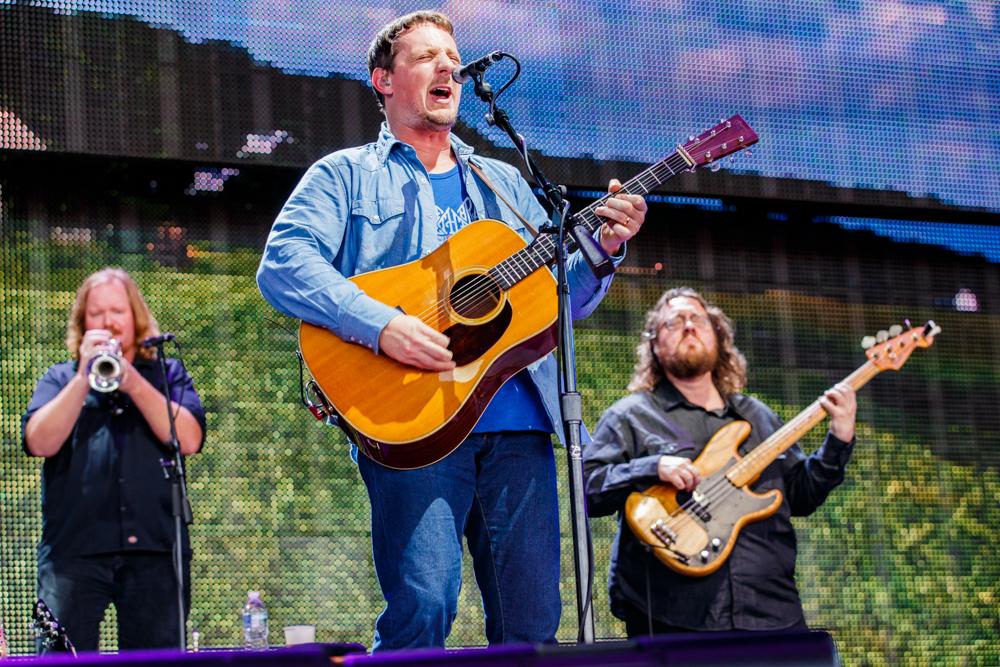 Sturgill Simpson performing at Farm Aid 2016 on September 17th, 2016 (photo by Matt Condon / @arcane93)