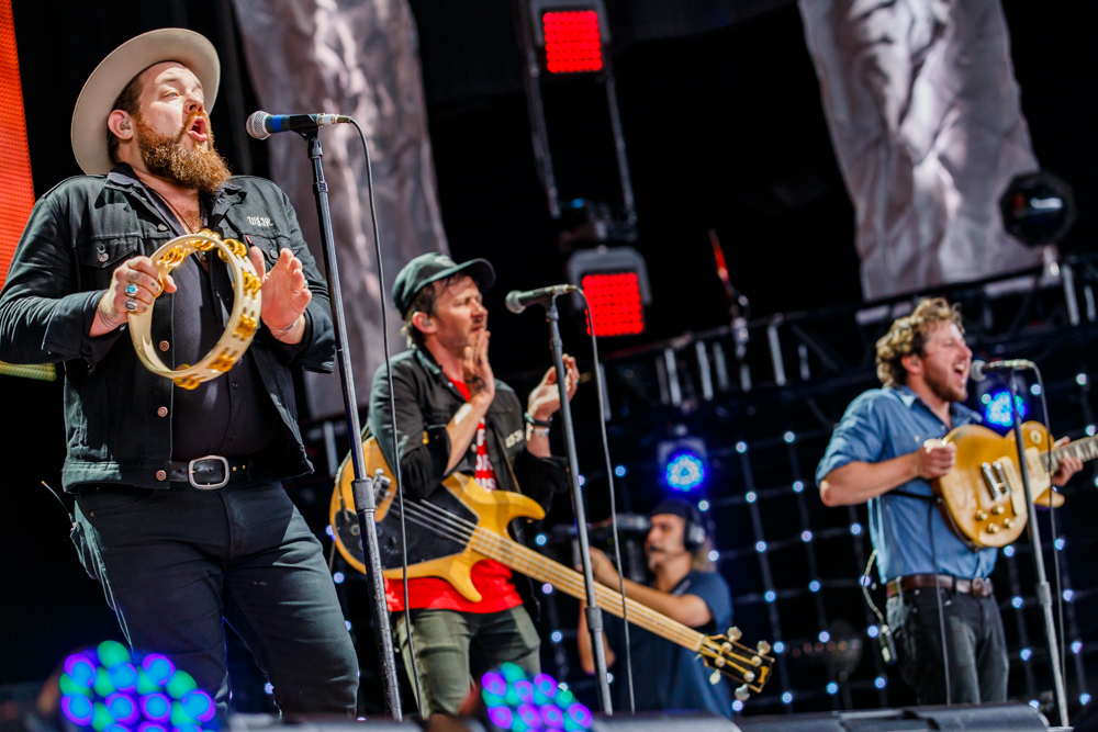 Nathaniel Rateliff and the Night Sweats performing at Farm Aid 2016 on September 17th, 2016 (photo by Matt Condon / @arcane93)