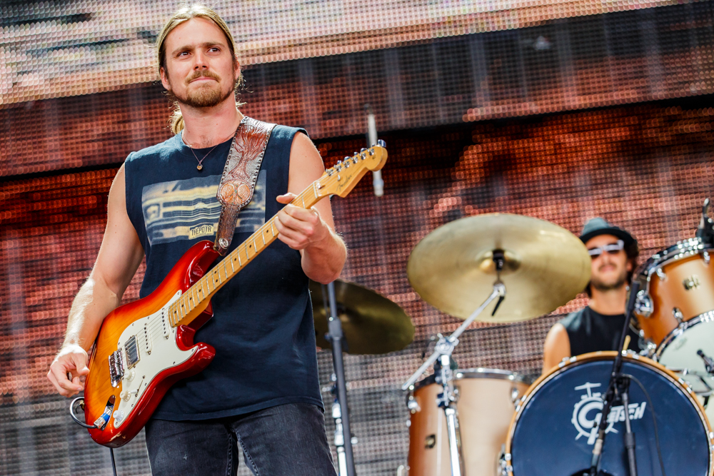 Lukas Nelson and Promise of the Real performing at Farm Aid 2016 on September 17th, 2016 (photo by Matt Condon / @arcane93)