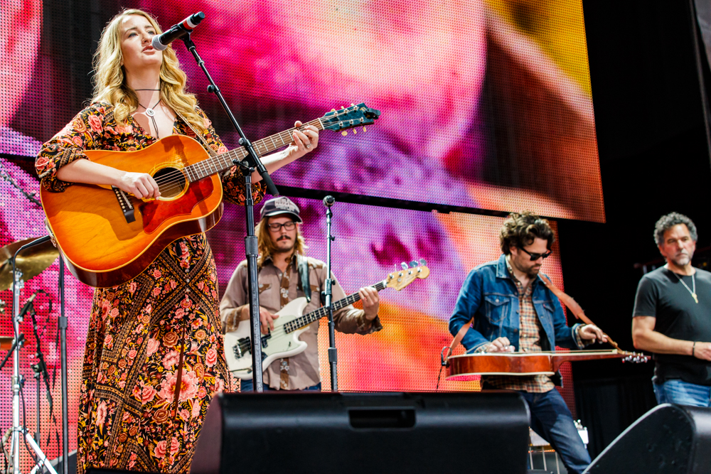 Margo Price performing at Farm Aid 2016 on September 17th, 2016 (photo by Matt Condon / @arcane93)
