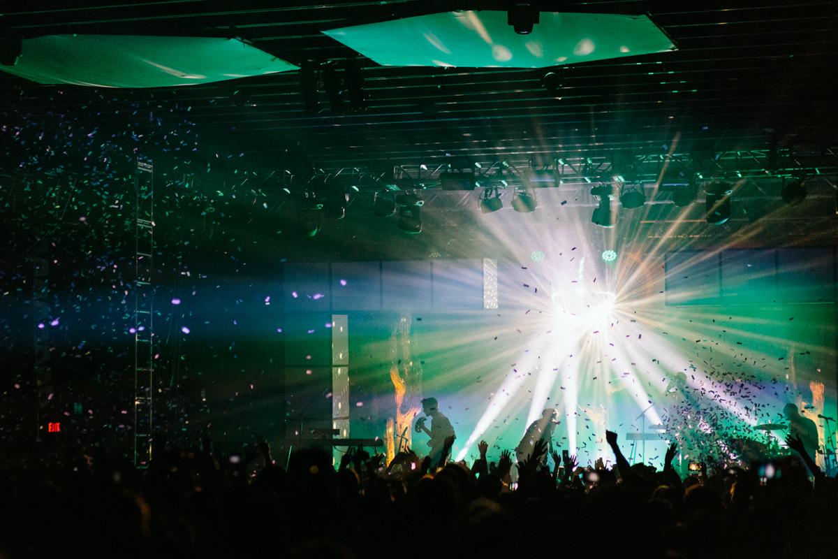 Glass Animals performing at Echostage in Washington, DC - 9/25/16 (photo by Mauricio Castro/@TheMauricio)