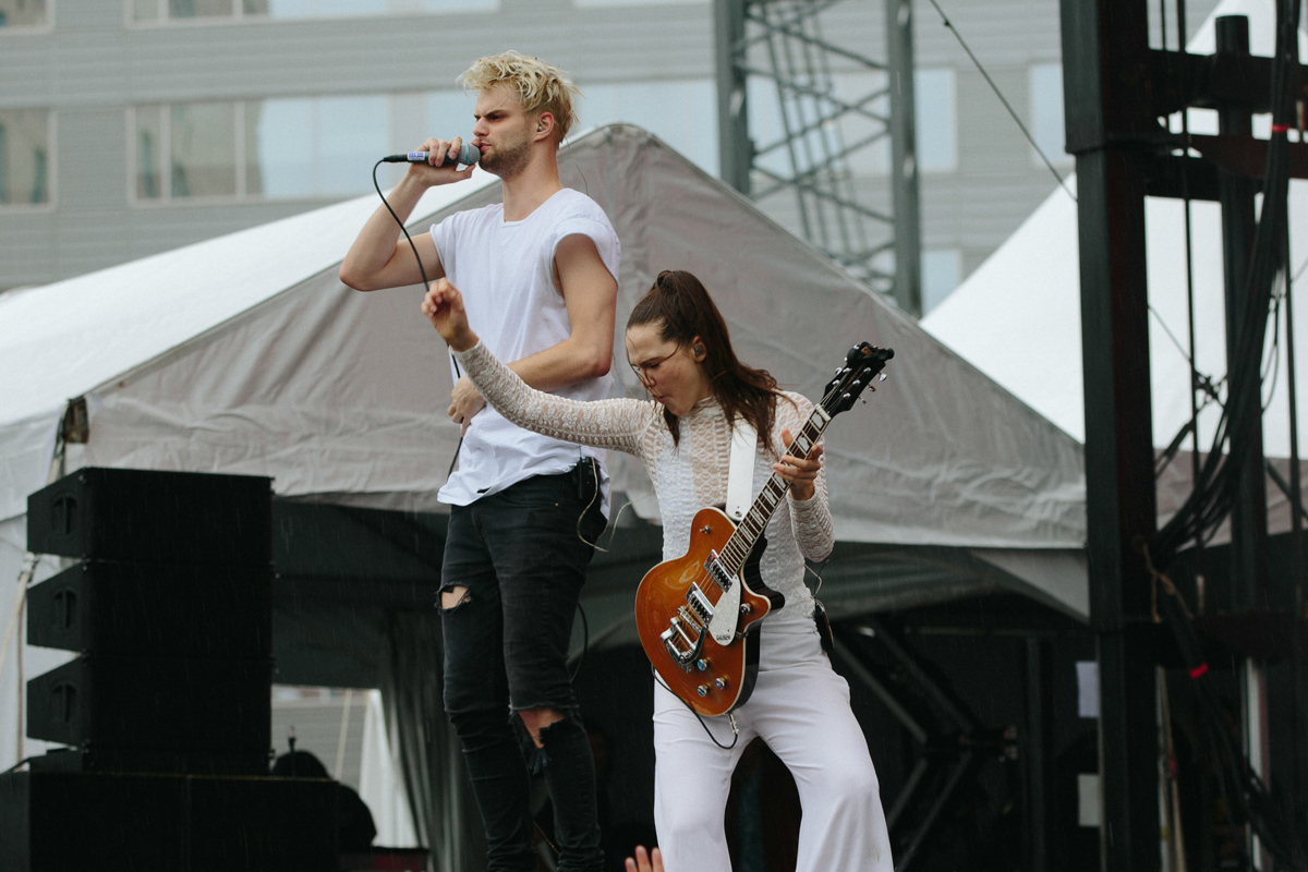 SofiTukker performing at All Things Go's 2016 Fall Classic in Washington, DC (photo by Mauricio Castro / @TheMauricio)