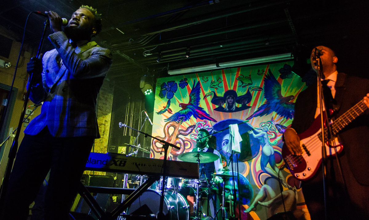 Aaron Abernathy w/Nat Turner performing at Tropicalia in Washington, DC to celebrate the release of his LP, 'Monologue' - 10/20/16 (photo by Kevin Hill / @chnkykevin