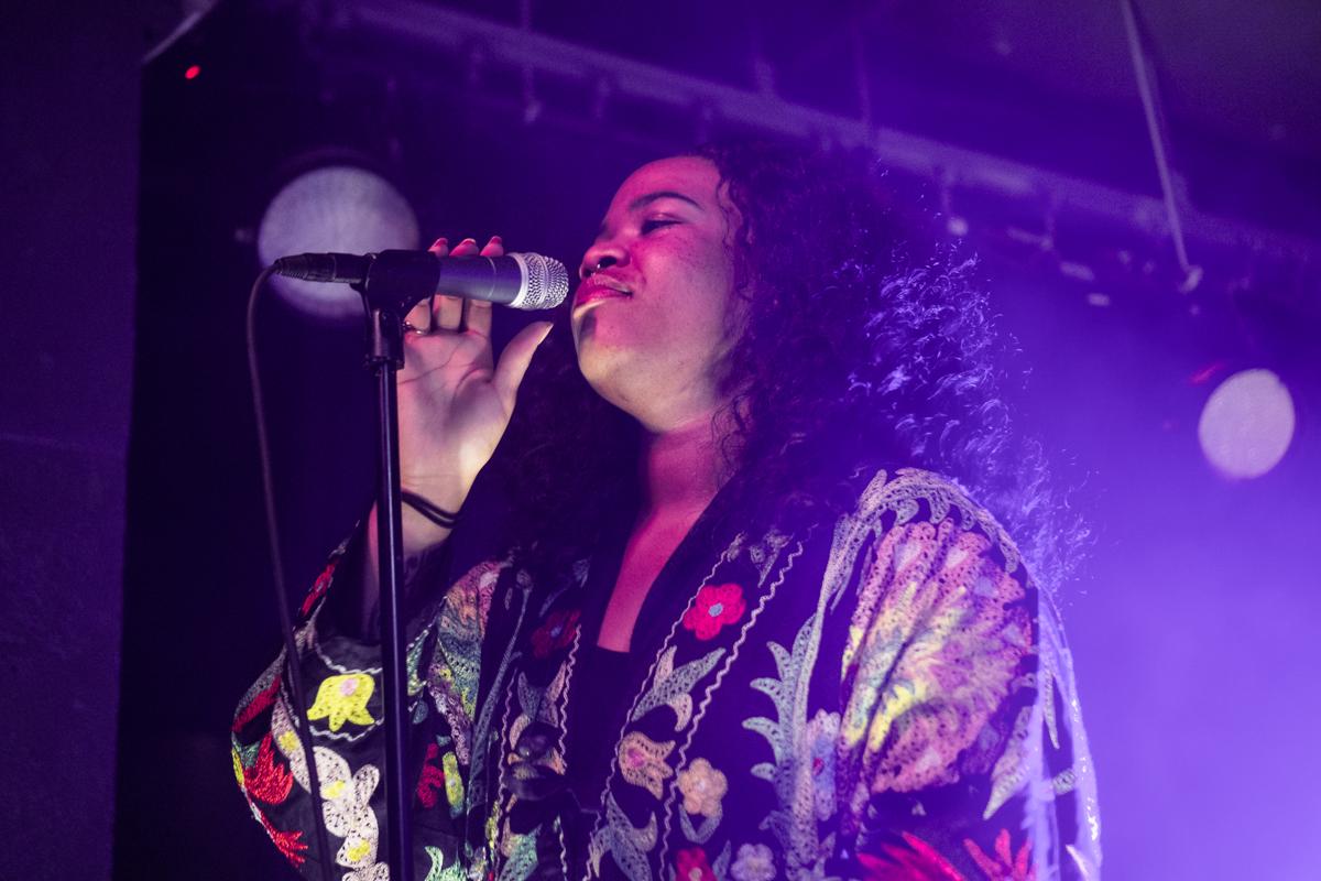Anita Bias, 1/3 of KING performing at U Street Music Hall - 10/20/16 (photo by Mauricio Castro /  @TheMauricio )