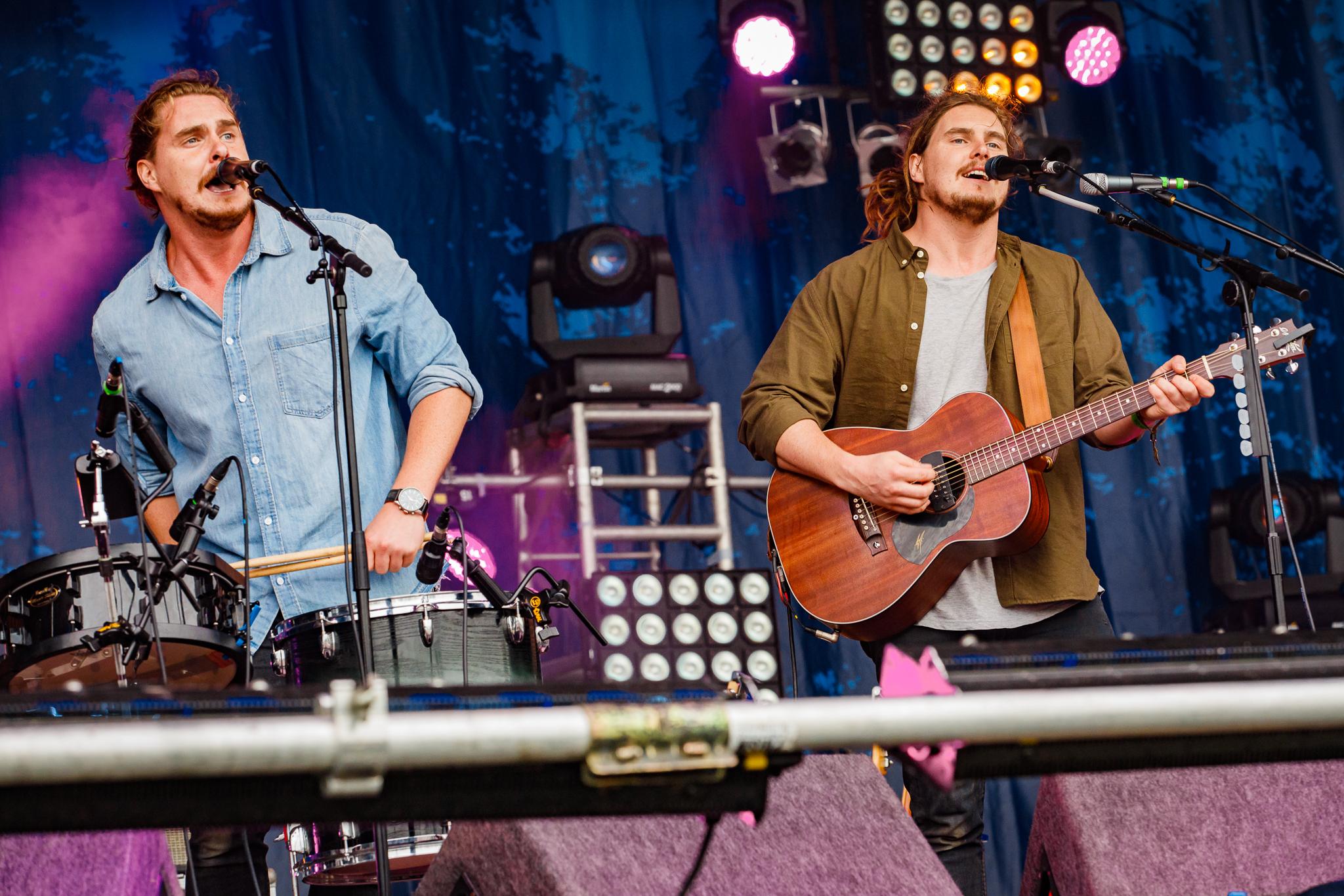 Pierce Brothers at Fairport's Cropredy Convention (photo by Matt Condon / @arcane93)