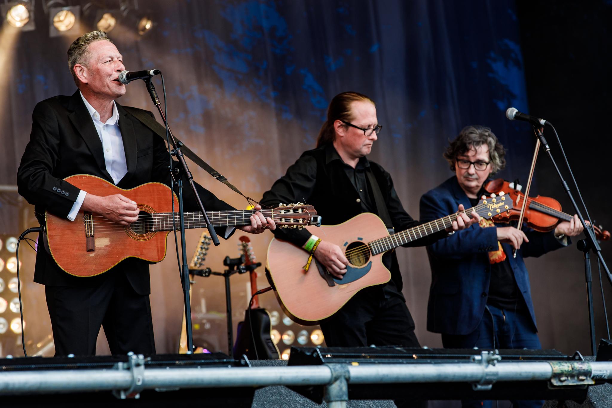 Gerry Colvin at Fairport's Cropredy Convention (photo by Matt Condon / @arcane93)