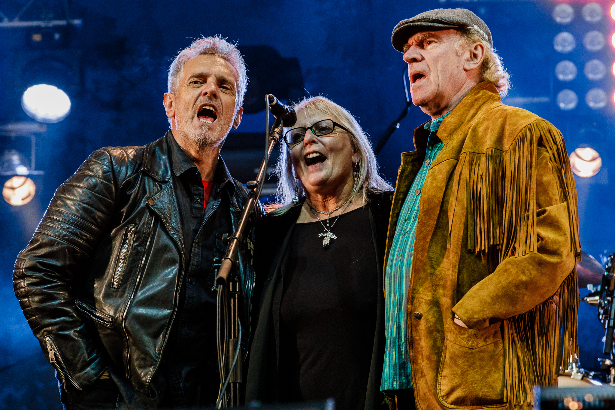 """Fairport Convention was joined onstage by many former members. Here three from the band's earliest incarnation - Iain Matthews, Judy Dyble, and Ashley Hutchings - join in to close out the festival with """"Meet On the Ledge,"""" one of the group's best-known songs. (photo by Matt Condon /  @arcane93 )"""