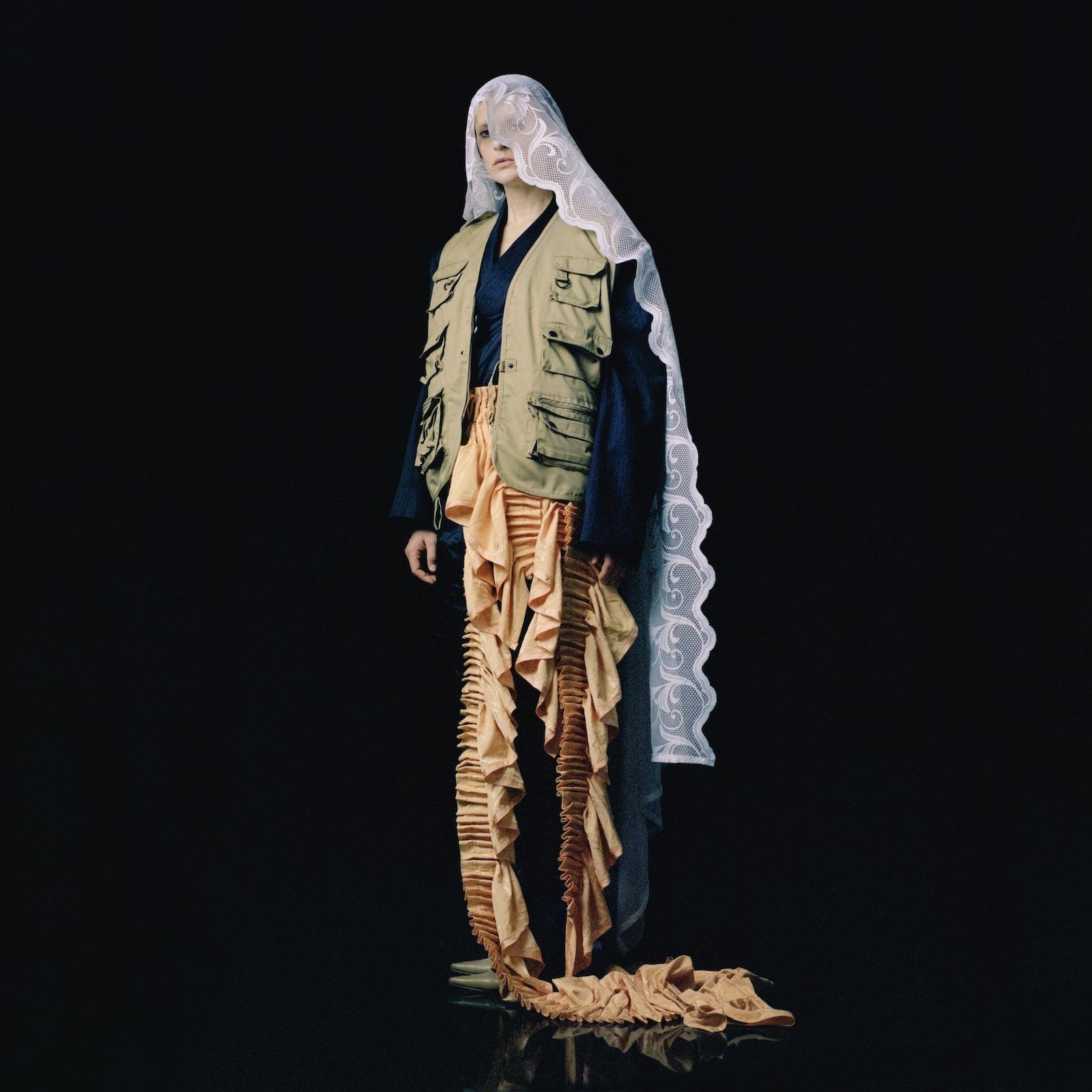 "El Perro Del mar  Track:""Mirrors"" Album:  We Are History  (EP)   LINKS:   Official Site   Facebook   Twitter"