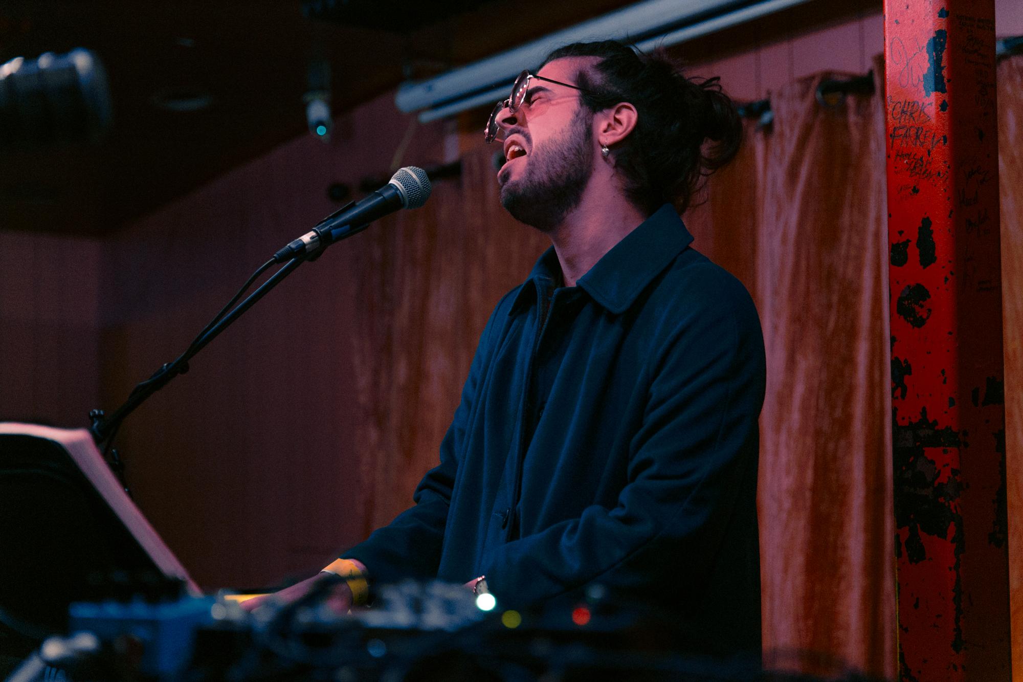 Mr. Daywalker @ Songbyrd (Photo by Mauricio Castro /  @themauricio )