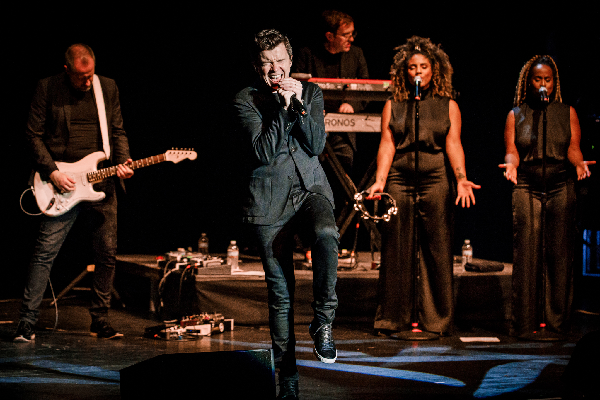 Rick Astley performing at the Lincoln Theatre in Washington, DC - 4/18/2018 (photo by Matt Condon / @arcane93)