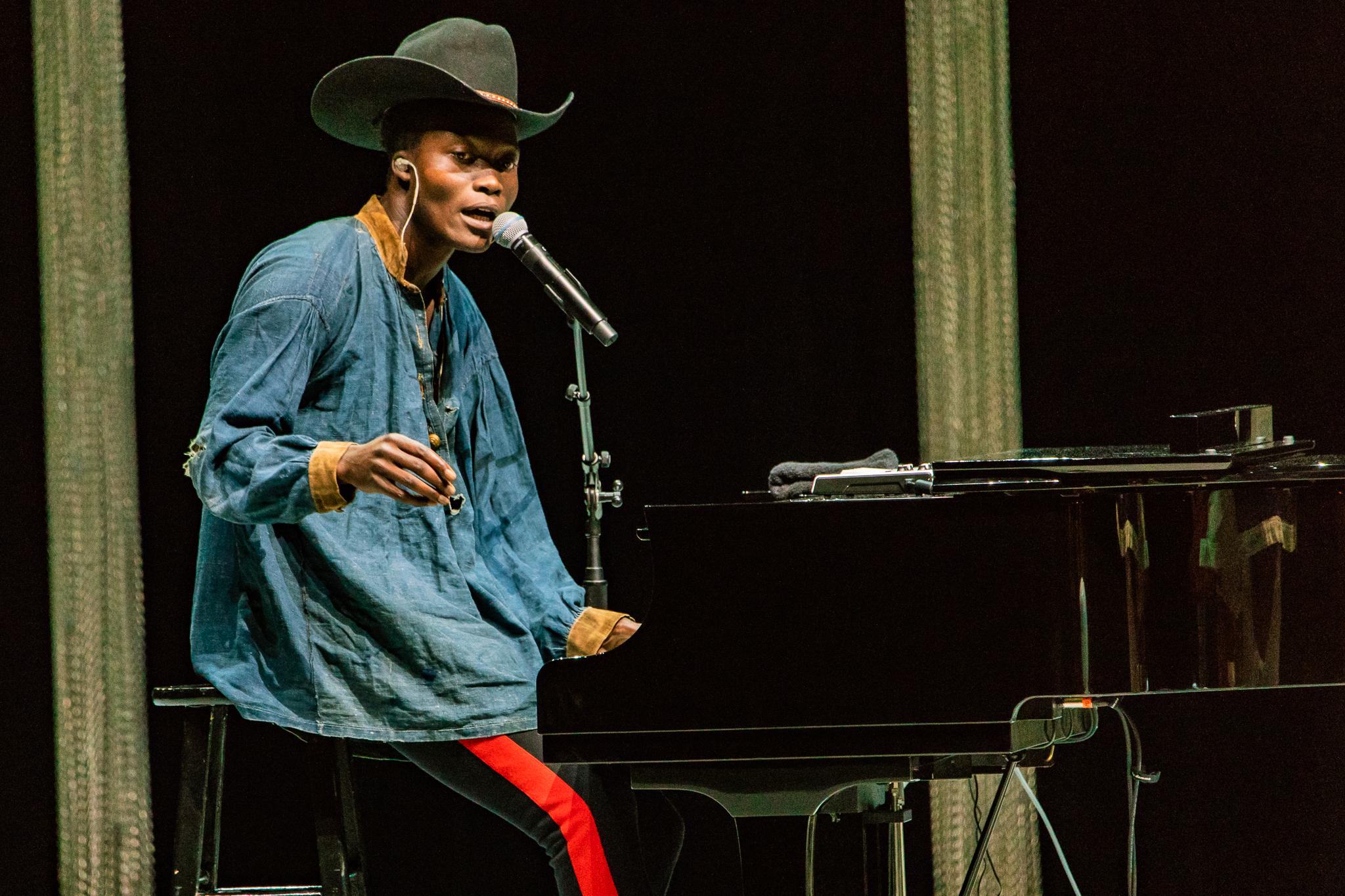 Benjamin Clementine performing at The Anthem in Washington, DC - 5/12/2018 (photo by Matt Condon / @arcane93)