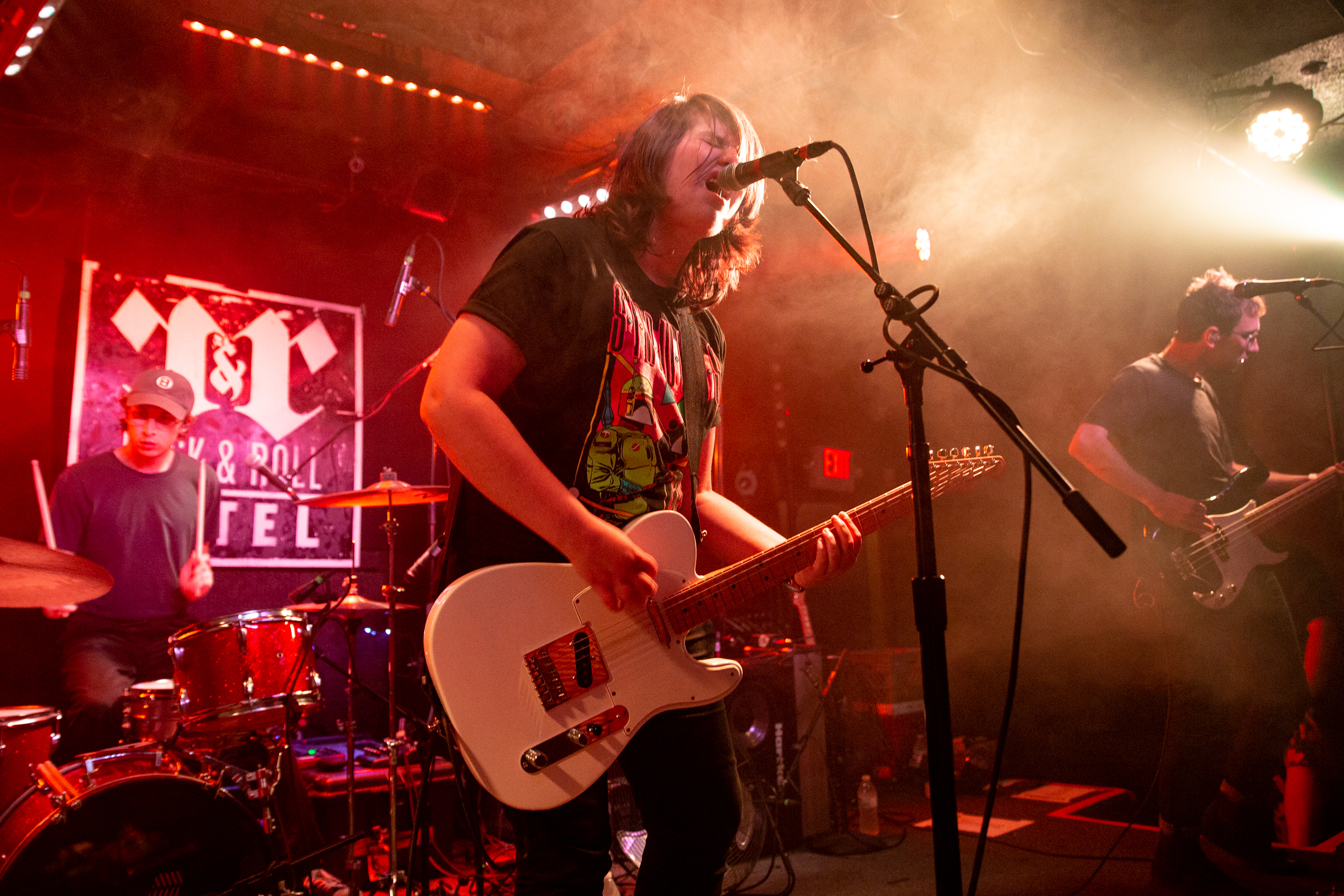 Alex Lahey at Rock and Roll Hotel (Photo by Mauricio Castro /  @themauricio )