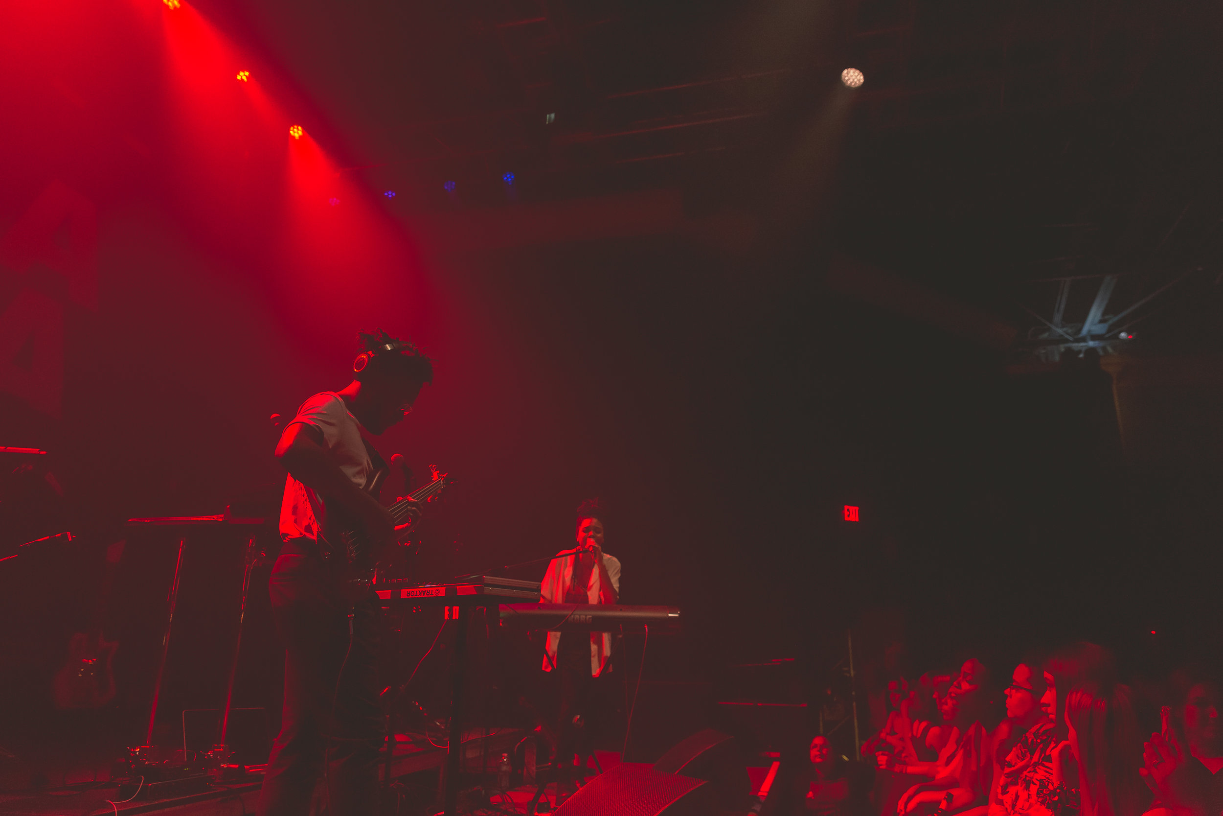 April + Vista at 9:30 Club (Photo by Avery Junius /  @1takeace )