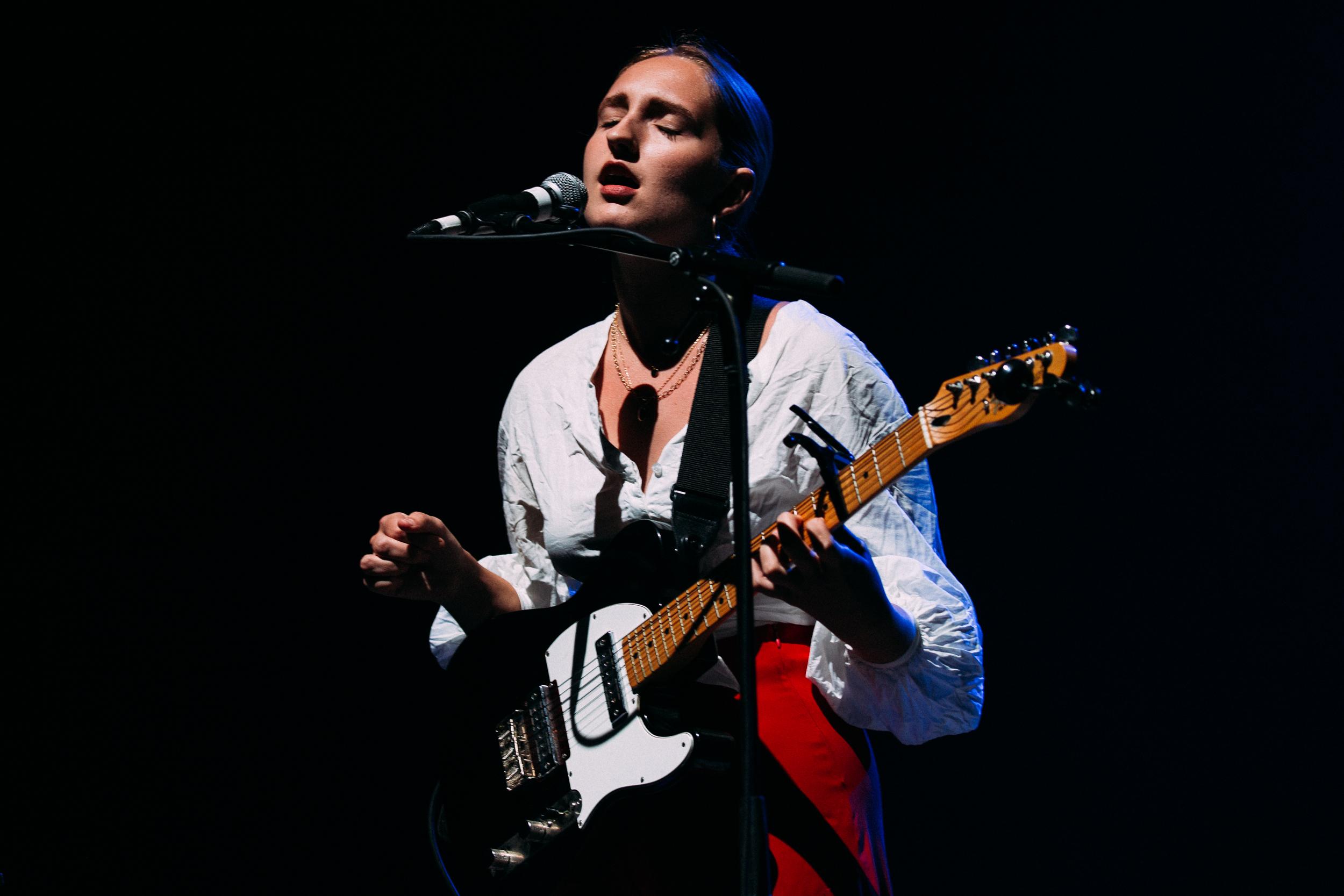 Madison Cunningham at The Anthem (Photo by Mauricio Castro /  @themauricio )