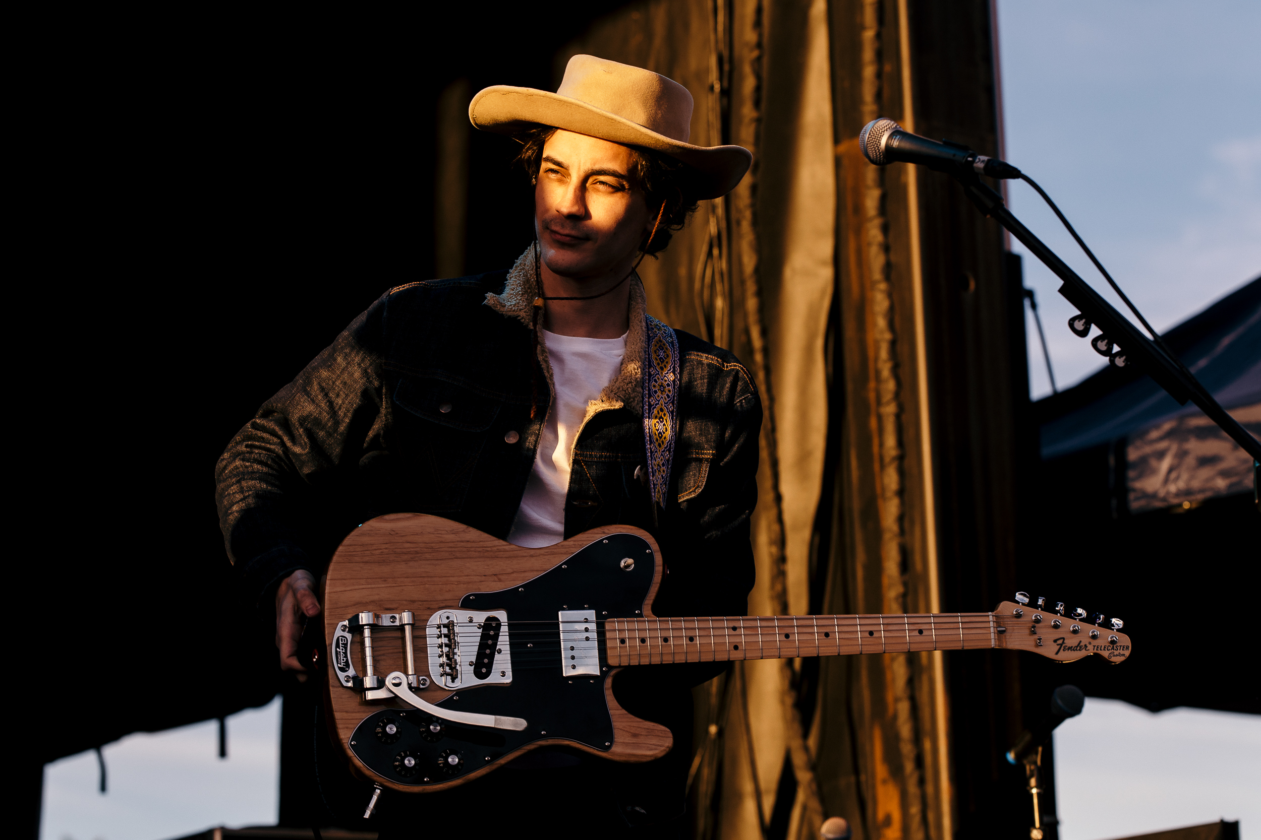 Shakey Graves at Luck Reunion (Photo by Mauricio Castro)