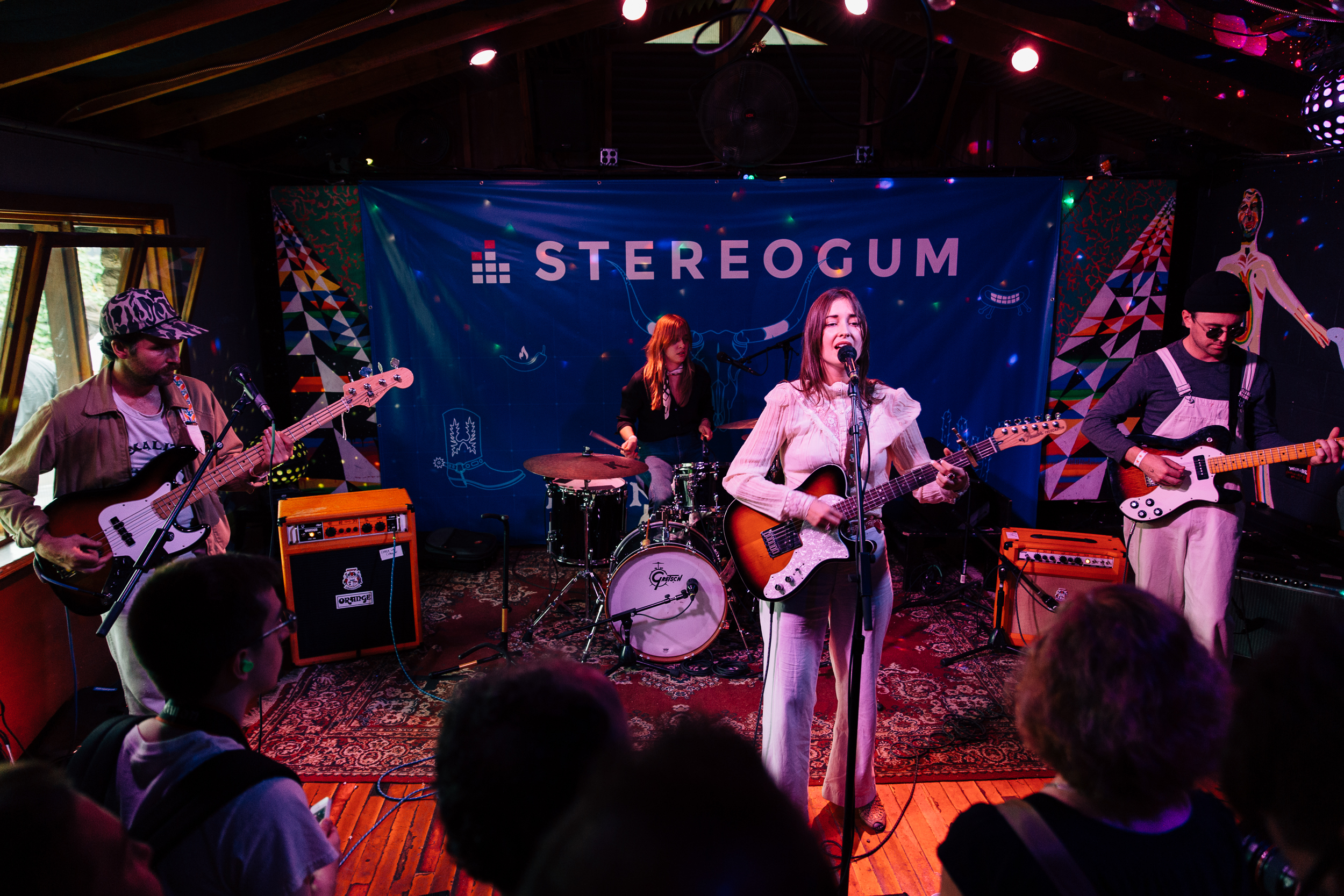 Jess Williamson at Stereogum Range Life / Cheer Up Charlie's (Photo by Mauricio Castro)