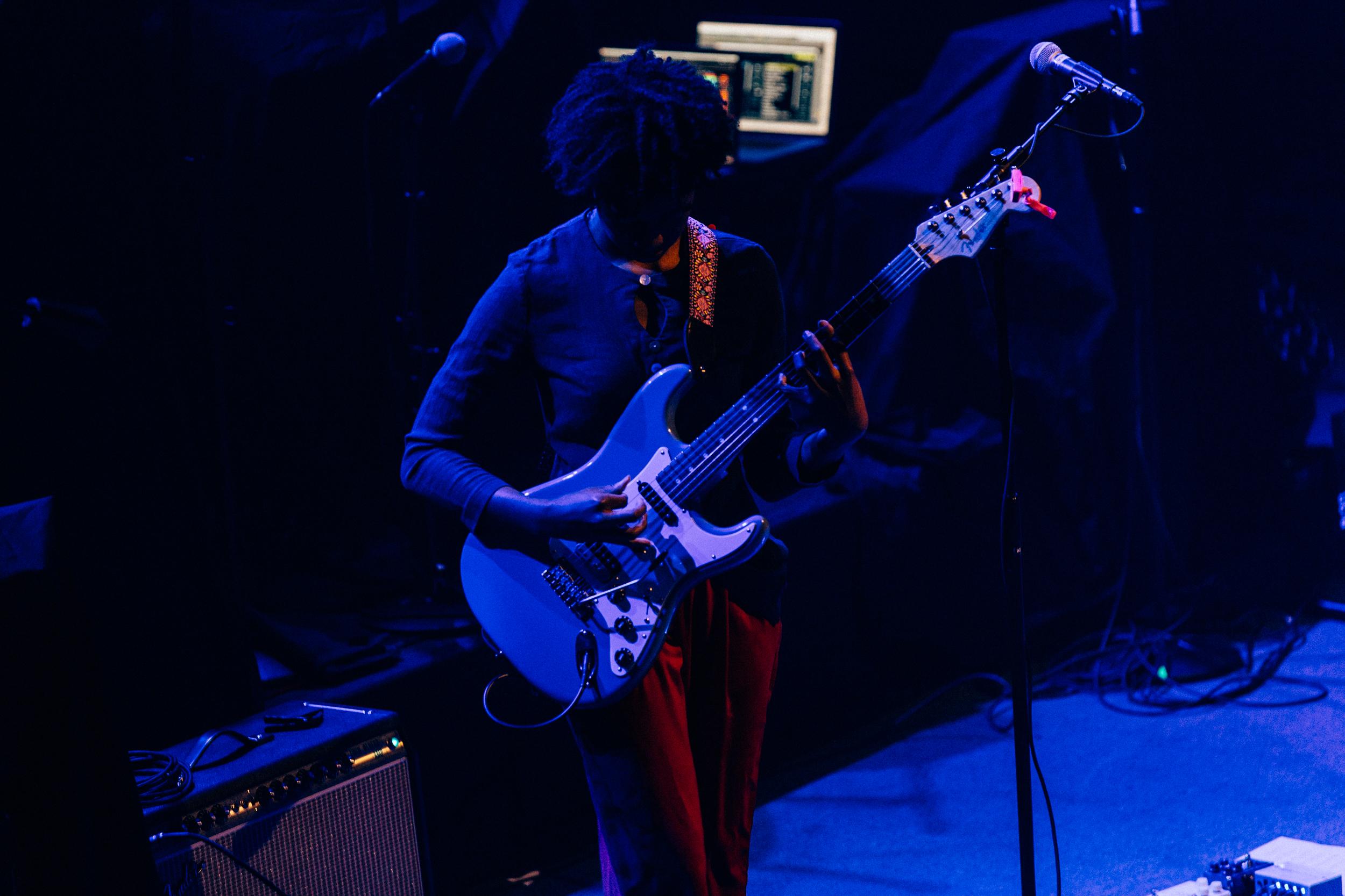 Melanie Faye at 9:30 Club (Photo by Mauricio Castro)