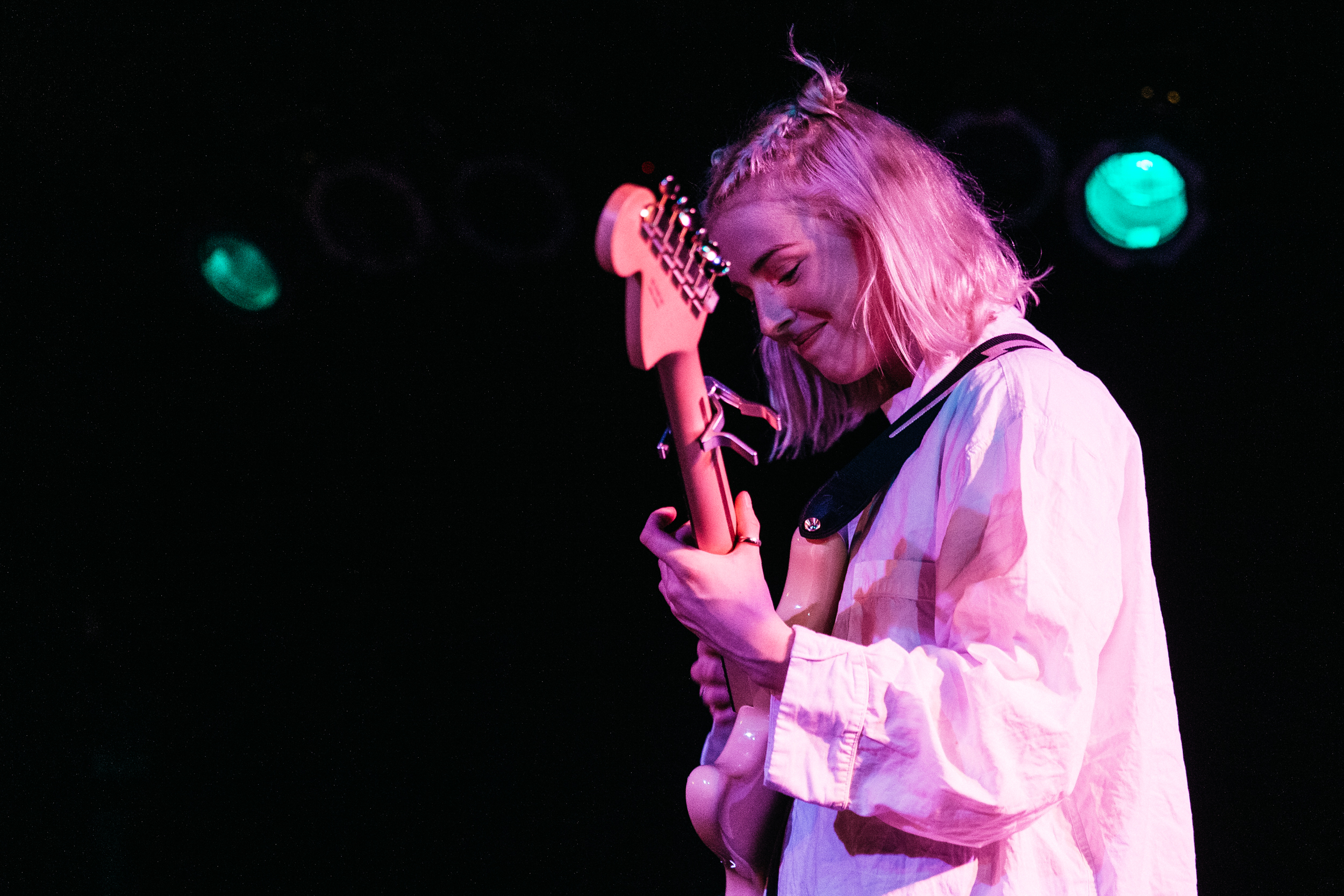 Fenne Lily at Black Cat (Photo by Mauricio Castro)