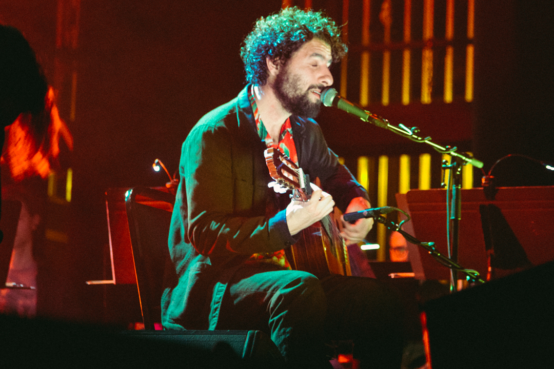Jose Gonzalez at The Lincoln Theater (Photo by Carolina Correa-Caro)