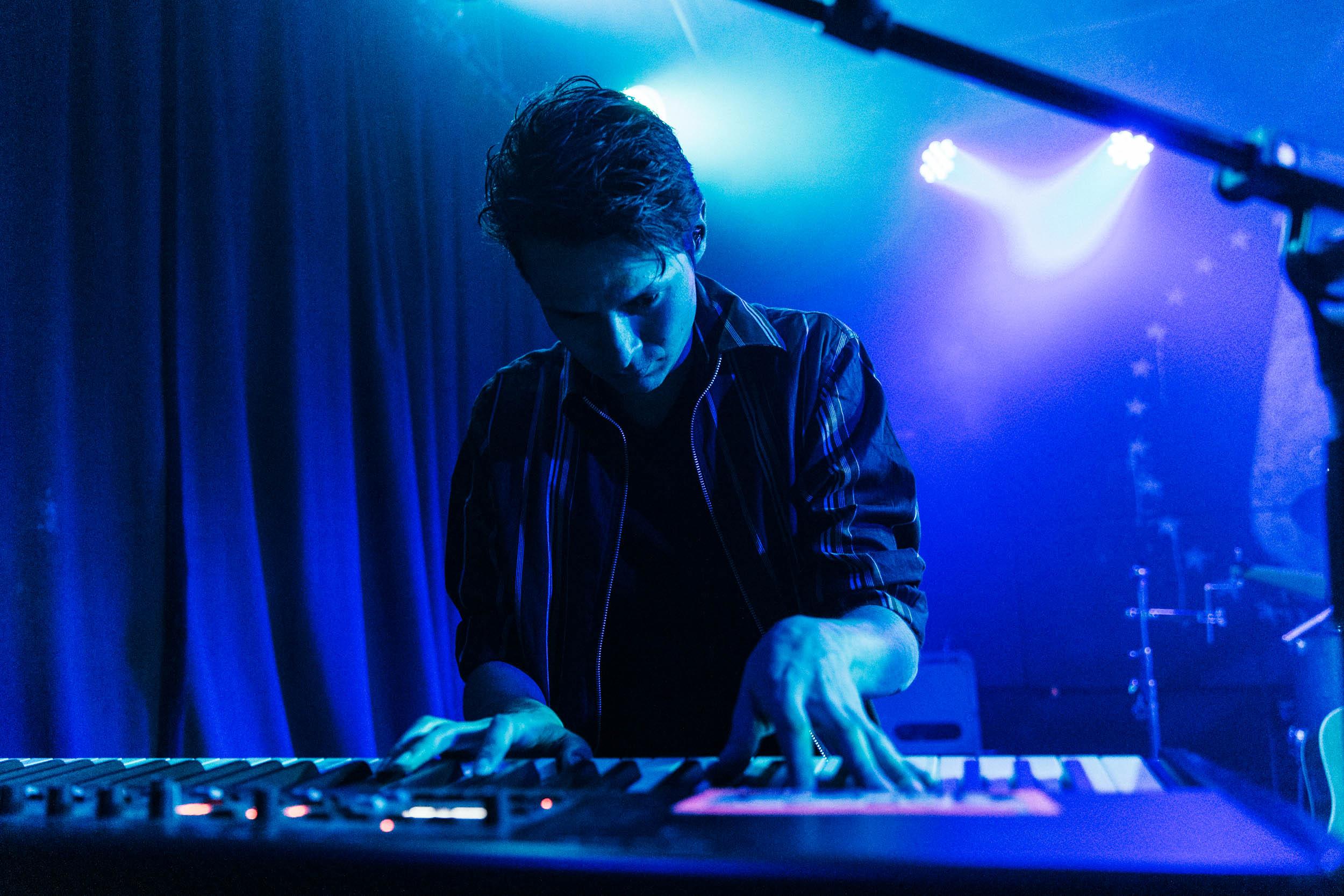 HÆLOS at U Street Music Hall (Photo by Mauricio Castro)