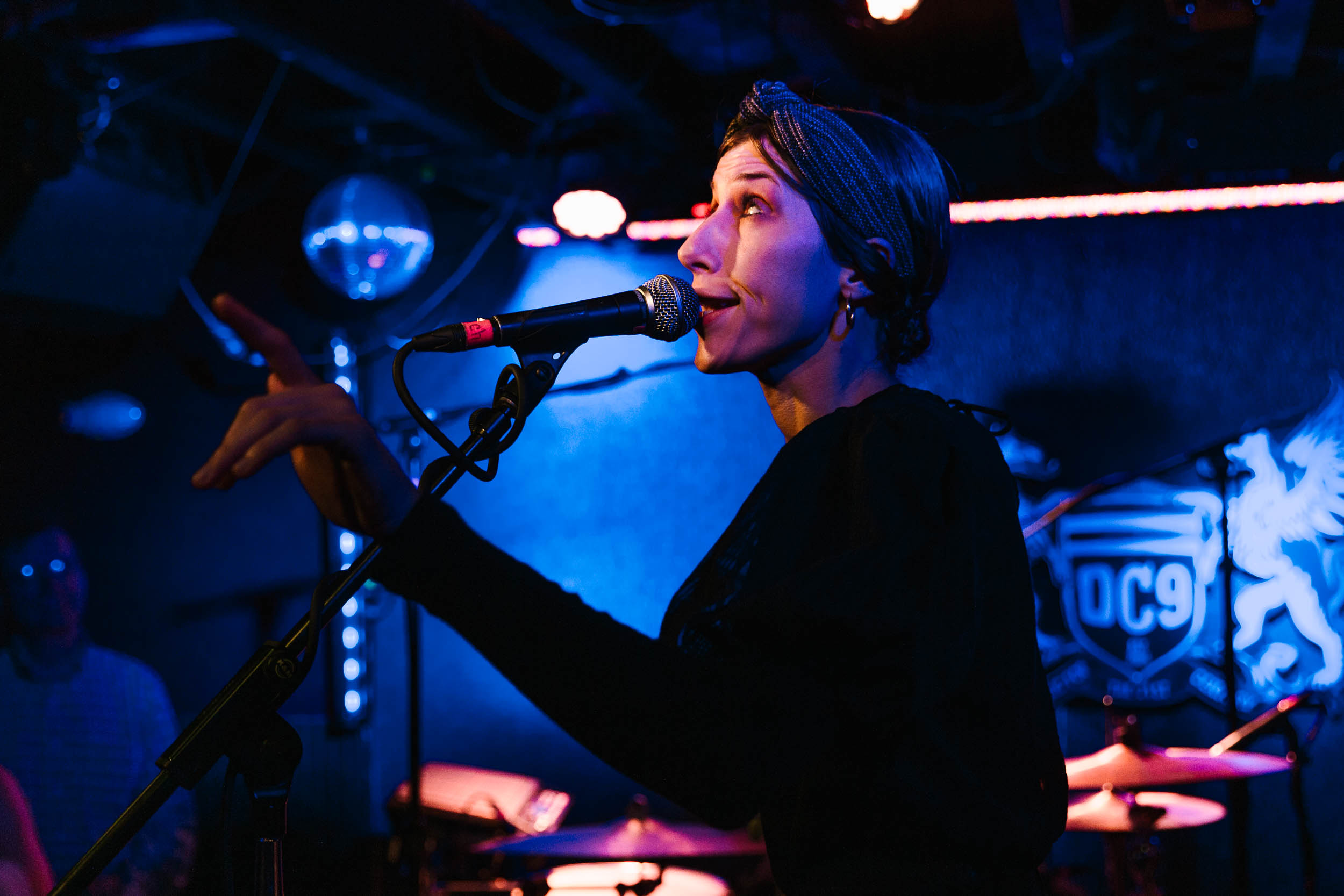 Aldous Harding at DC9 (Photo by Mauricio Castro)