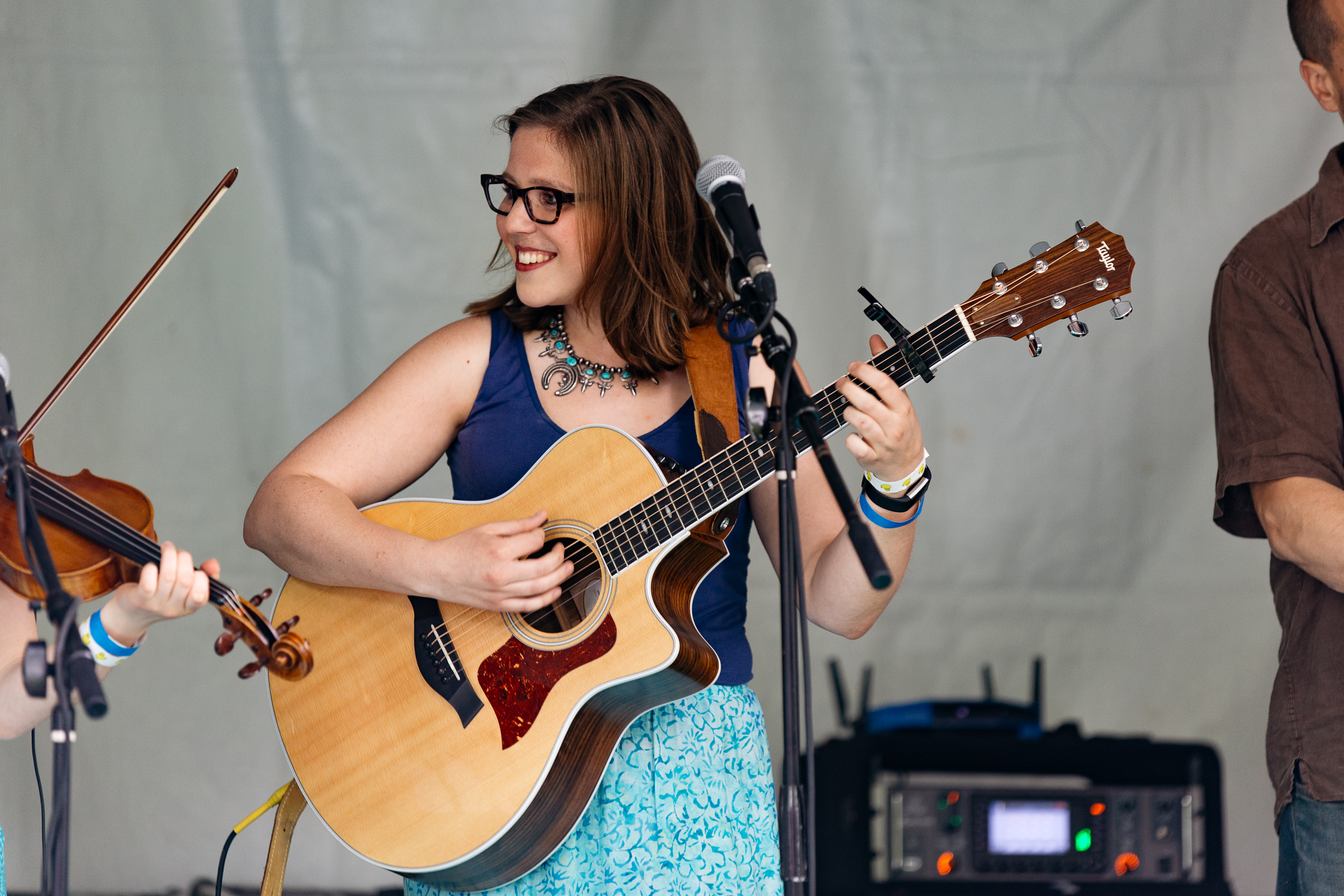 Hannah Jaye & the Hideaways at Kingman Island Bluegrass & Folk Festival (Photo by Mauricio Castro)