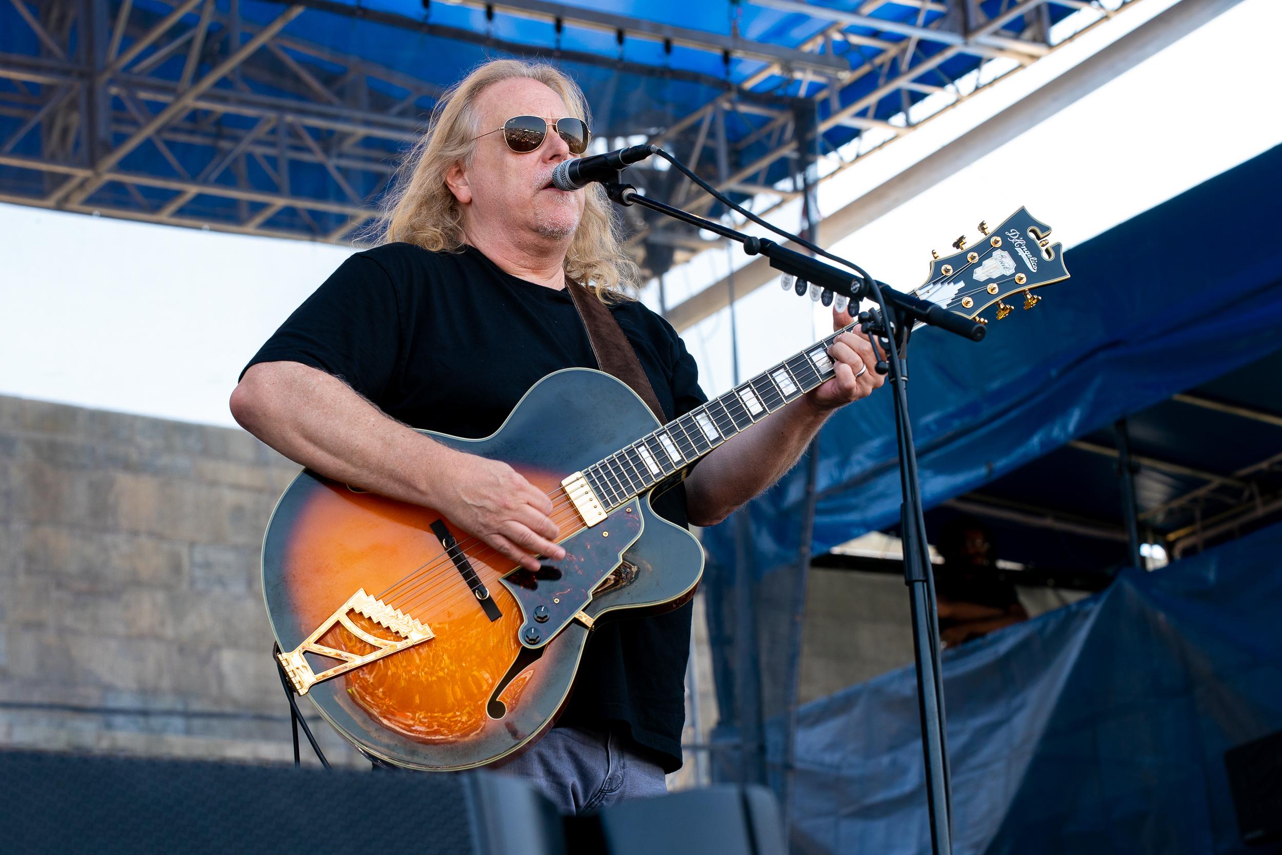 Warren Haynes at Newport Folk Festival (Photo by Mauricio Castro)
