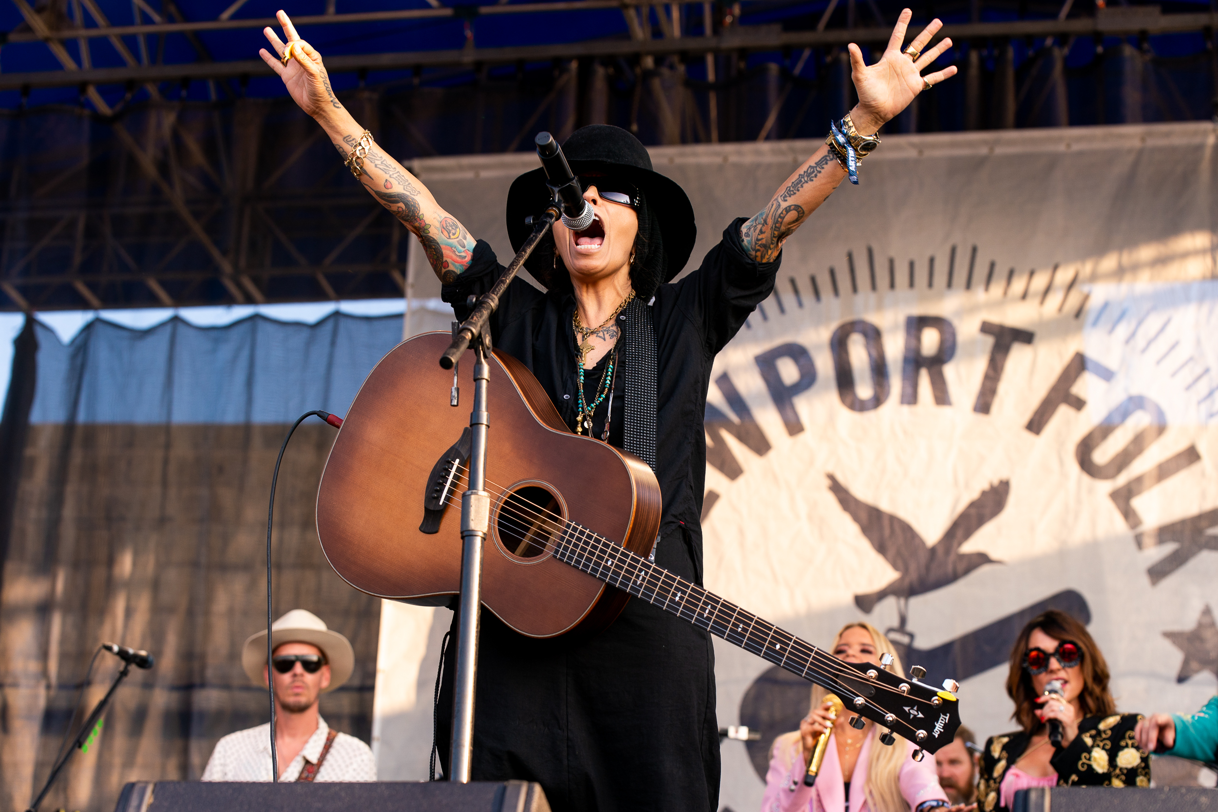 Linda Perry at Newport Folk Festival (Photo by Mauricio Castro)