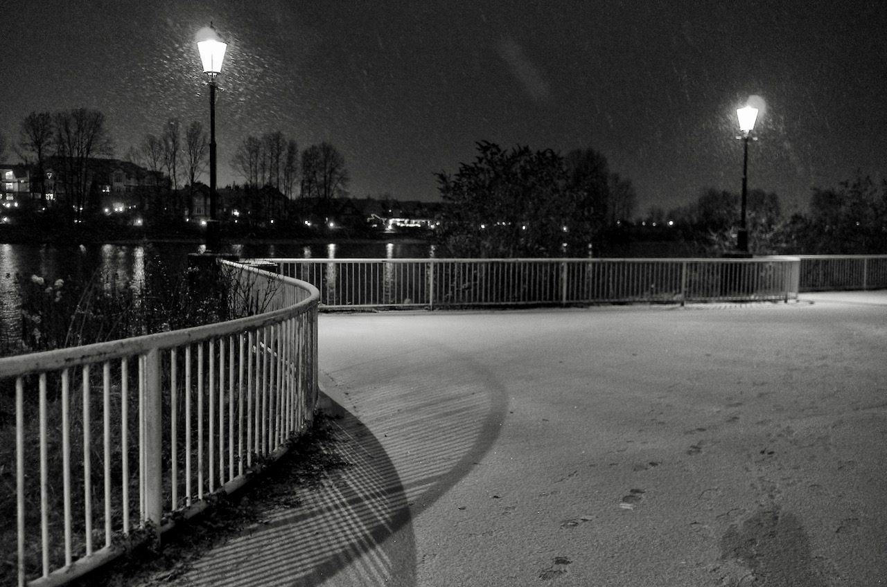 New Westminster Quay - December 25, 2017  Click image to enlarge.