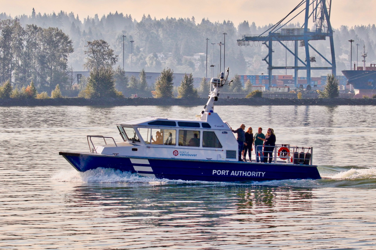 Vancouver Port Authority patrol boat in Fraser River
