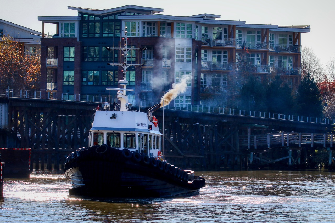 """Catherwood Towing tugboat """"SEA IMP IX"""" in Fraser River."""