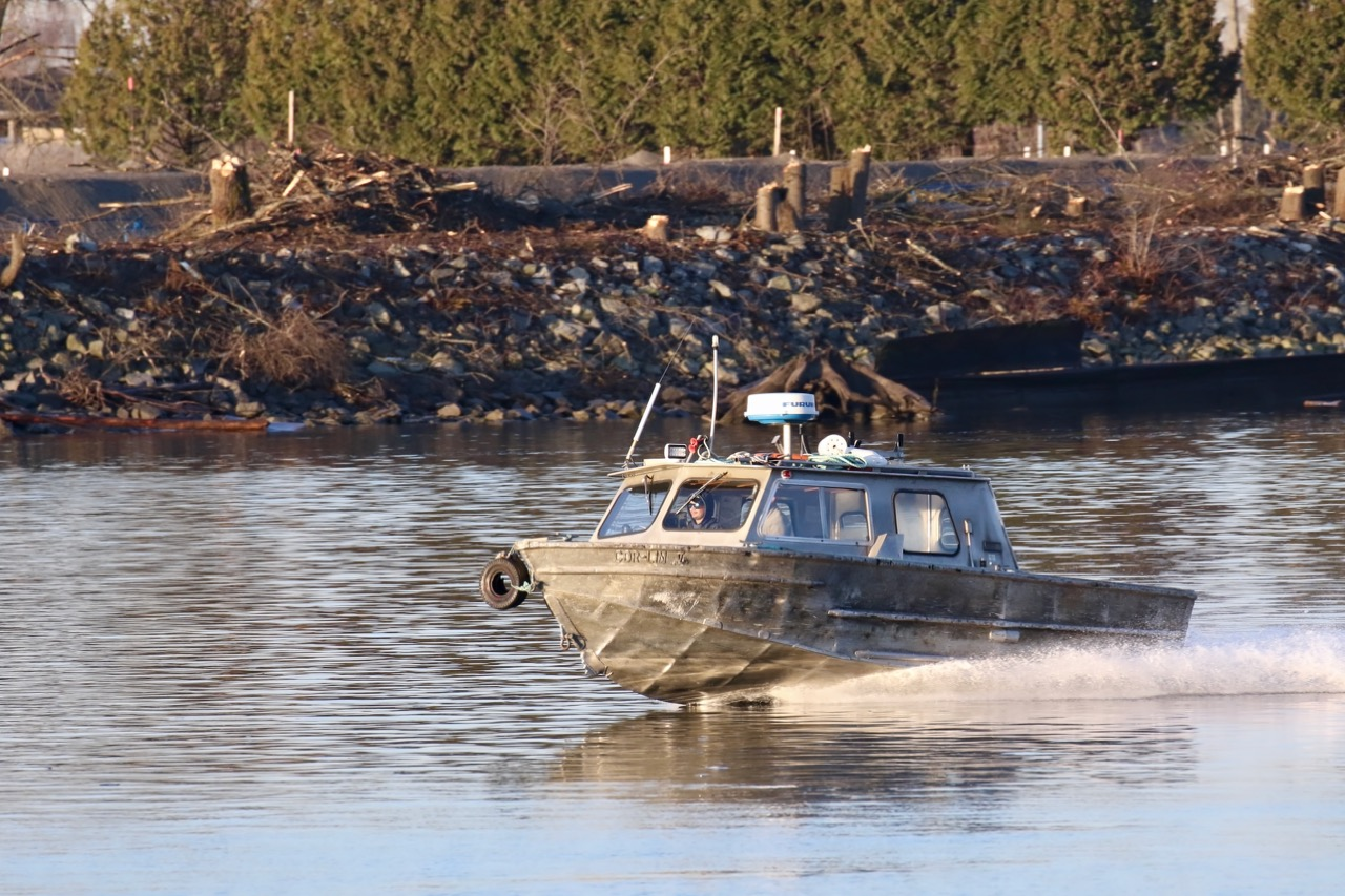 Harken Towing water taxi in Fraser River