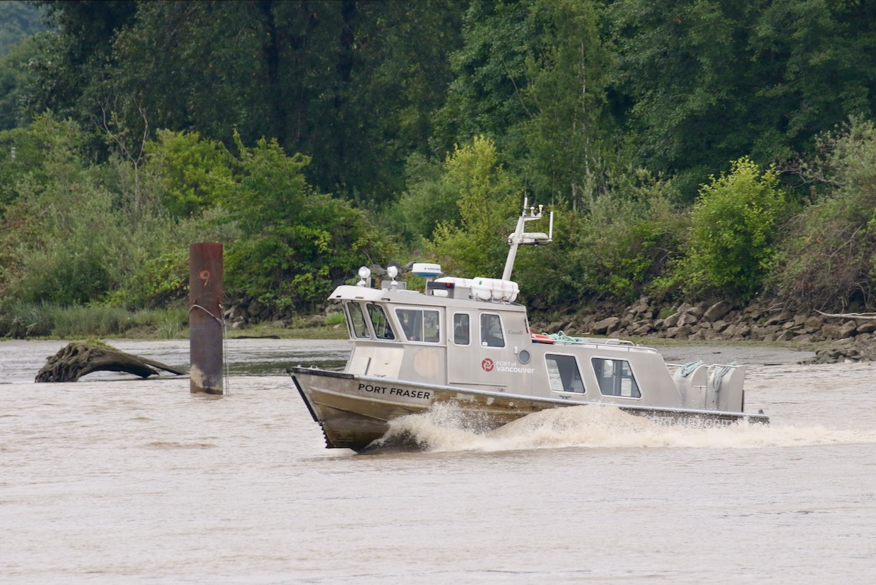 "Vancouver Fraser Port Authority patrol boat ""PORT FRASER"" in Fraser River"