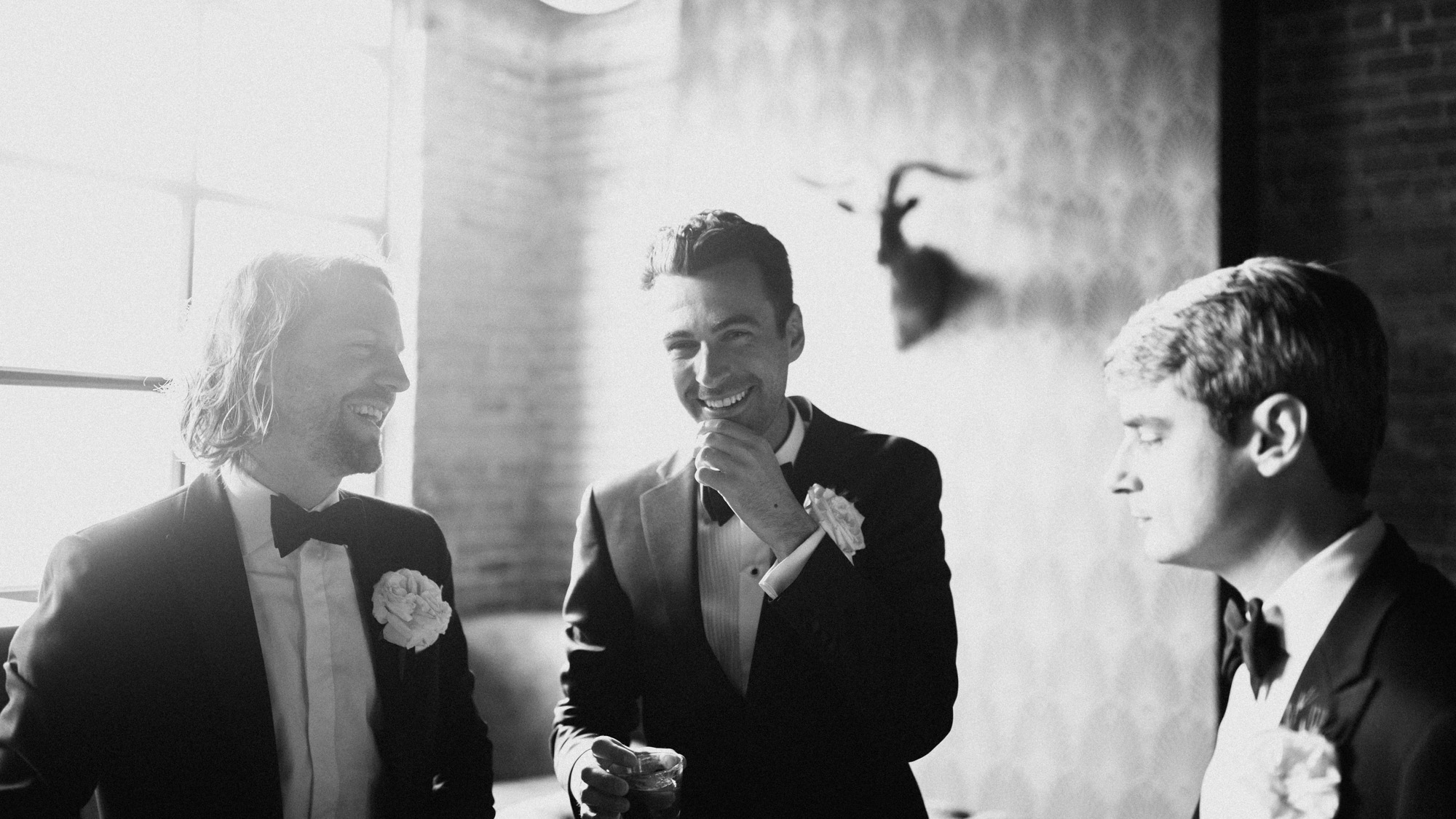Alec_Vanderboom_kansas_city_hip_wedding_photos-0039.jpg