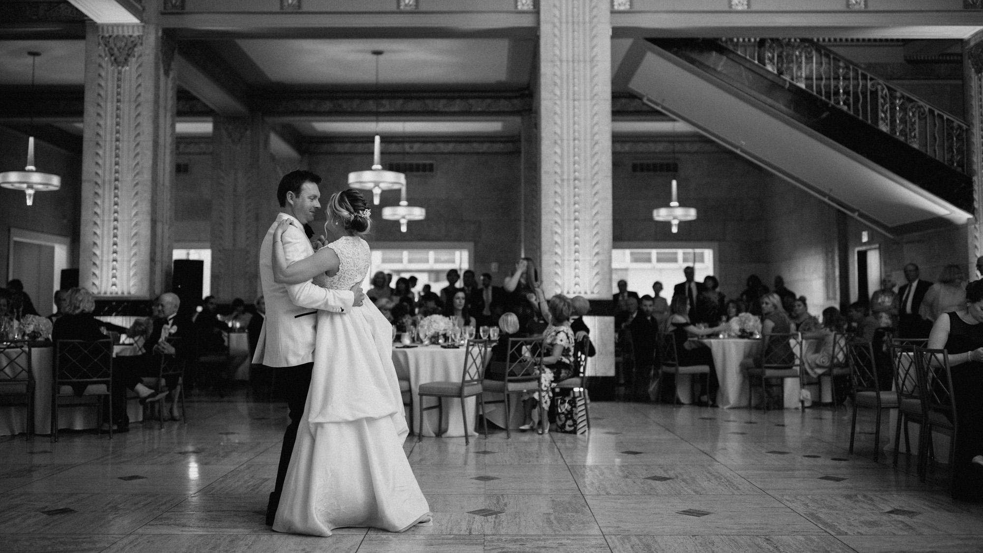 Alec_Vanderboom_kansas_city_hip_wedding_photos-0061.jpg