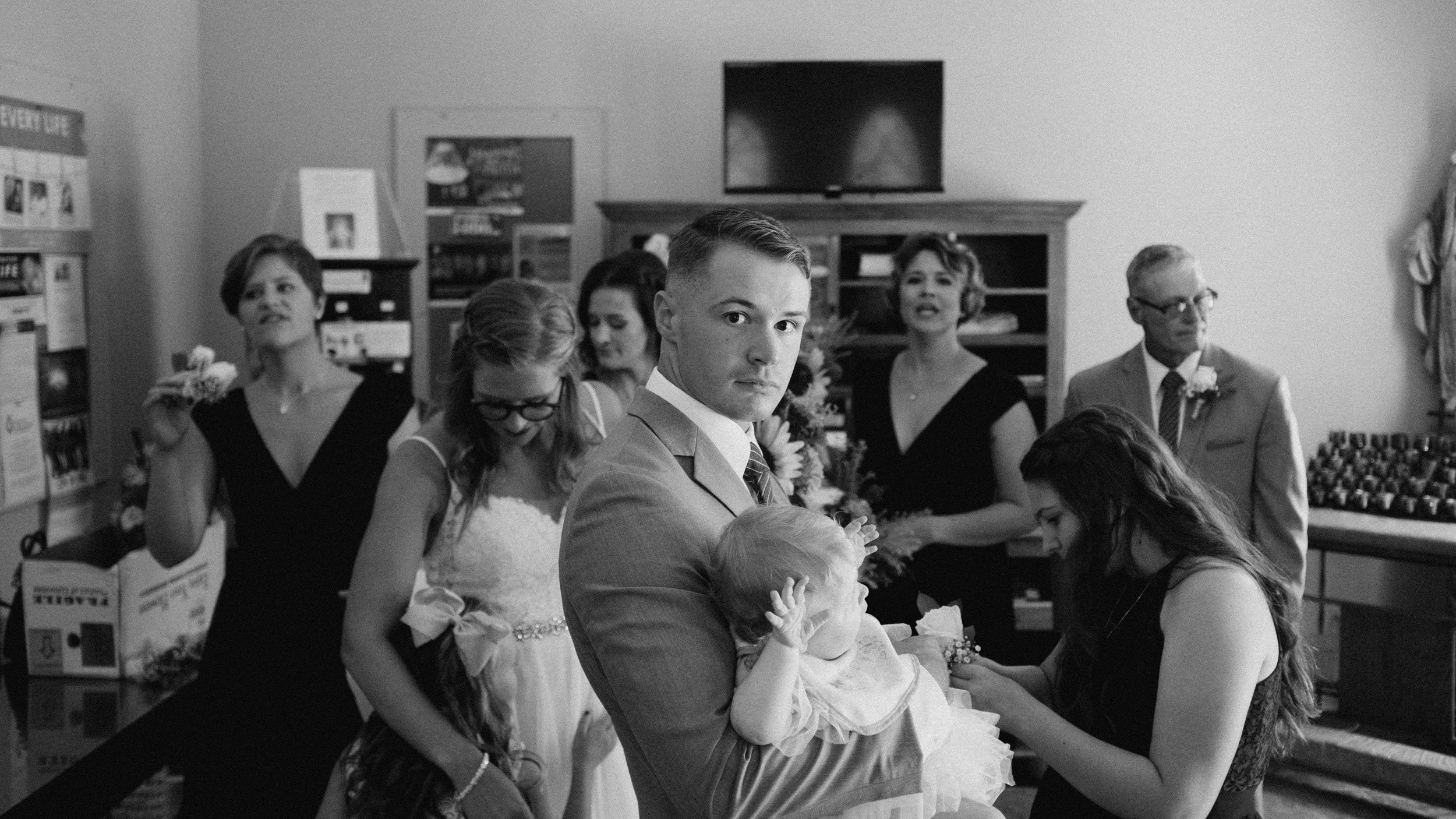 alec_vanderboom_john_micahel_lucy_kansas_city_wedding_photographer-0023.jpg