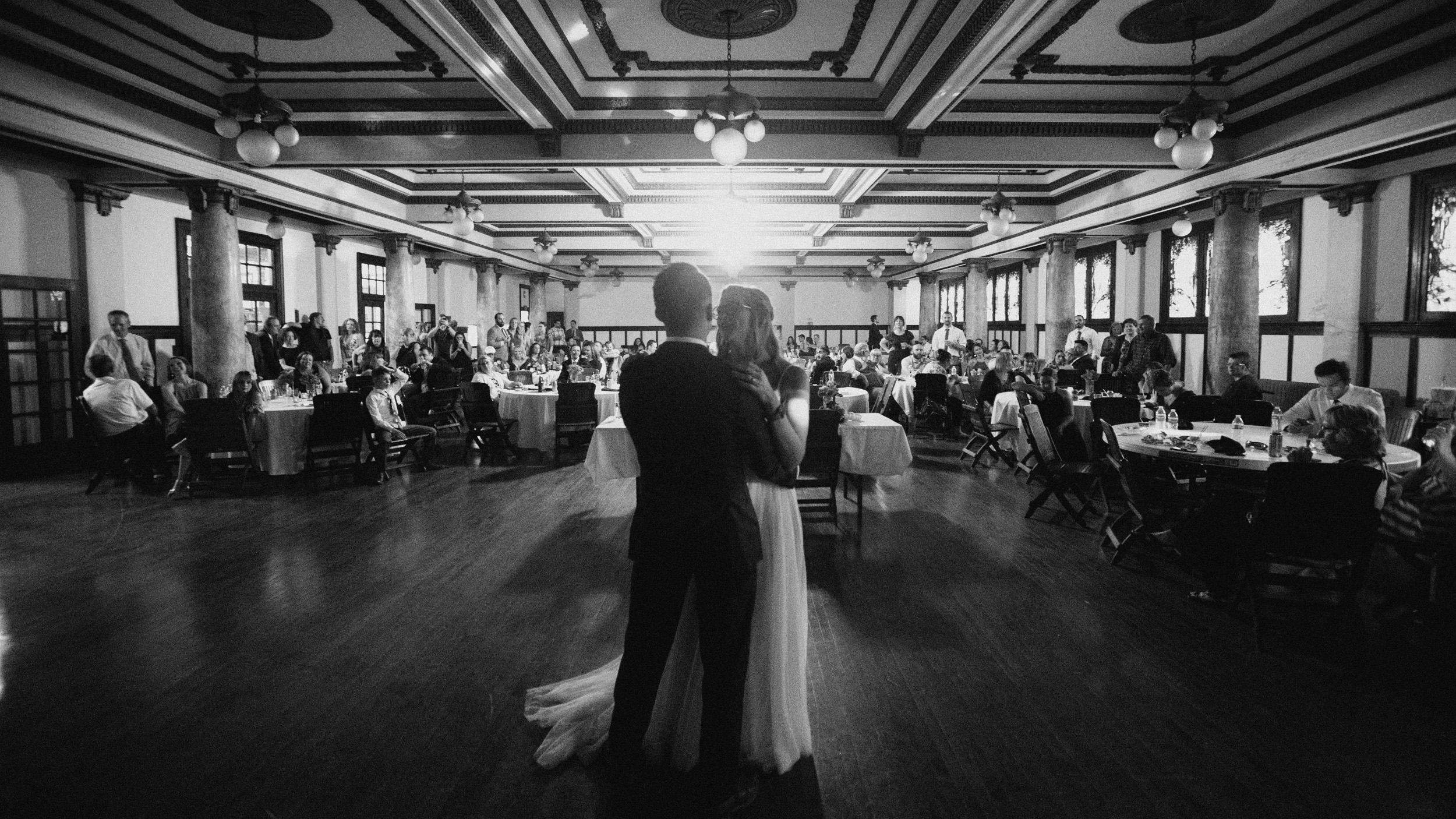 alec_vanderboom_john_micahel_lucy_kansas_city_wedding_photographer-0070.jpg