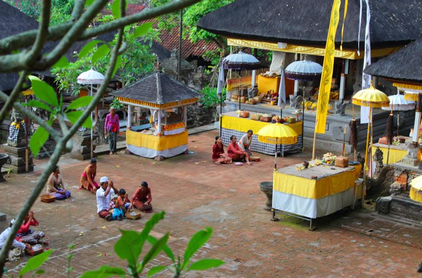 Ceremony at a random temple near Ubud