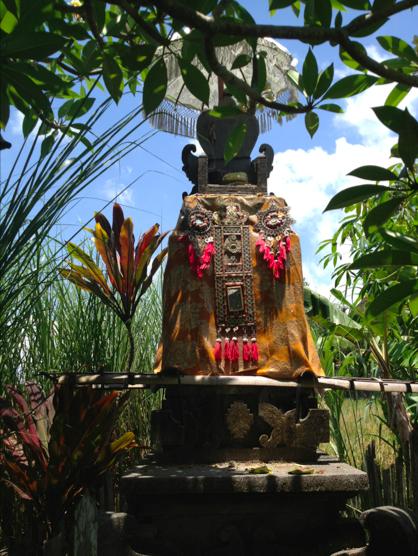 Small backyard temple