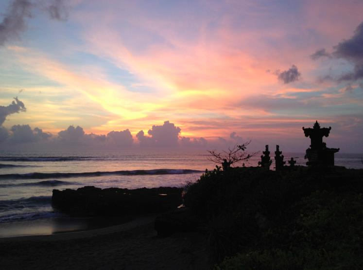 Goodnight sun, a shrine structure overlooking the beach near Canggu