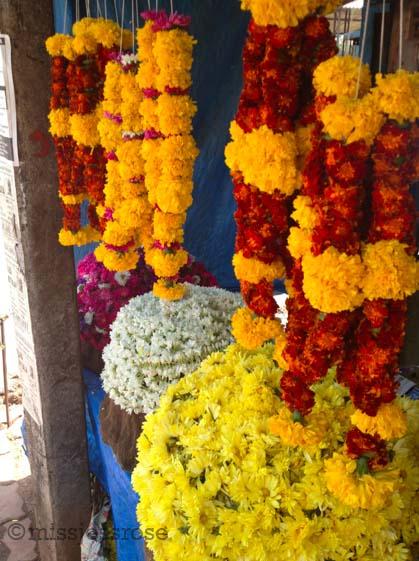Floral garlands for sale