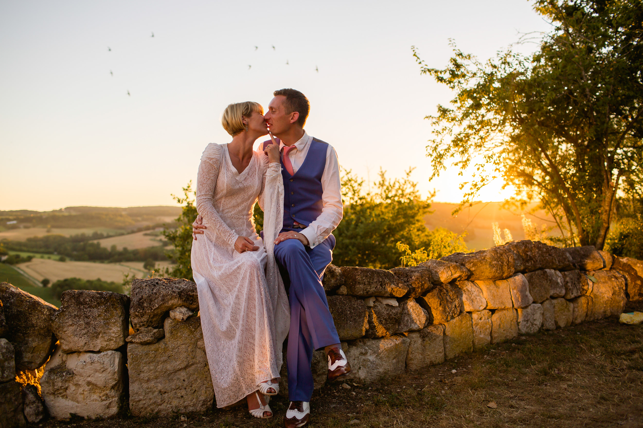 Sunset wedding portraits - wedding photography at Castelnau Des Fieumarcon -